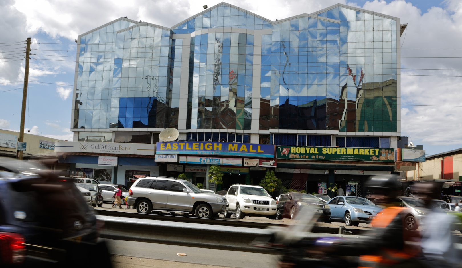 Motorists pass in front of Eastleigh Mall (C), one of the biggest malls in Eastleigh a Somali dominated neighborhood in Nairobi, Kenya, 01 March 2016.