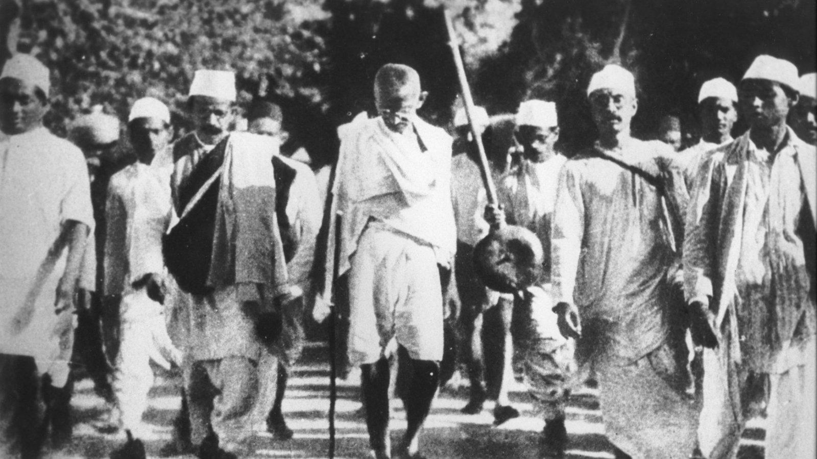 India-history-colonialism-Gandhi