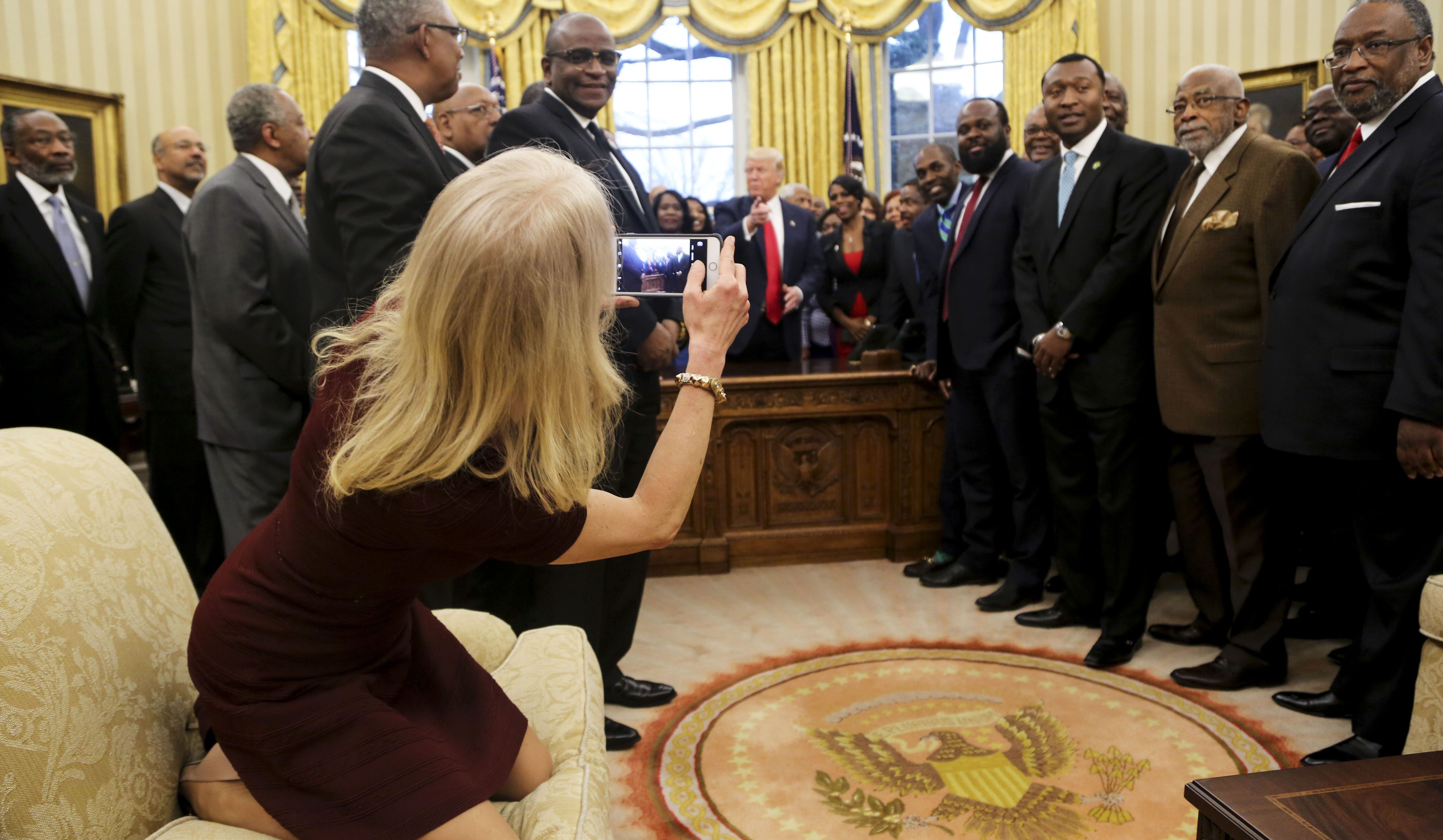 Kellyanne Conway Wh Sofa Shoes High Heels