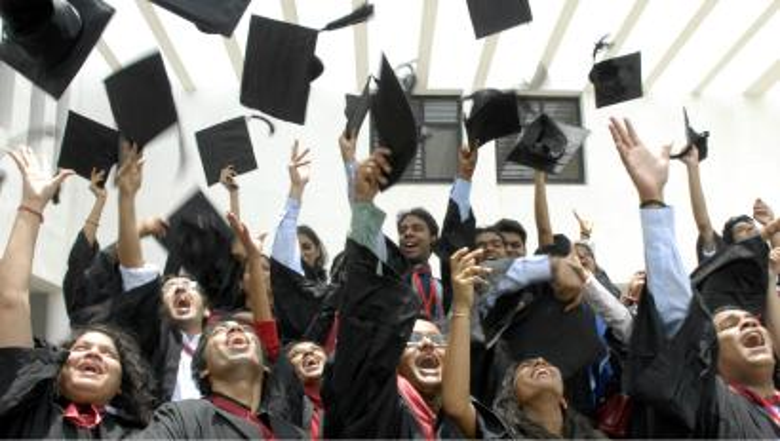 India-students-graduation-convocation