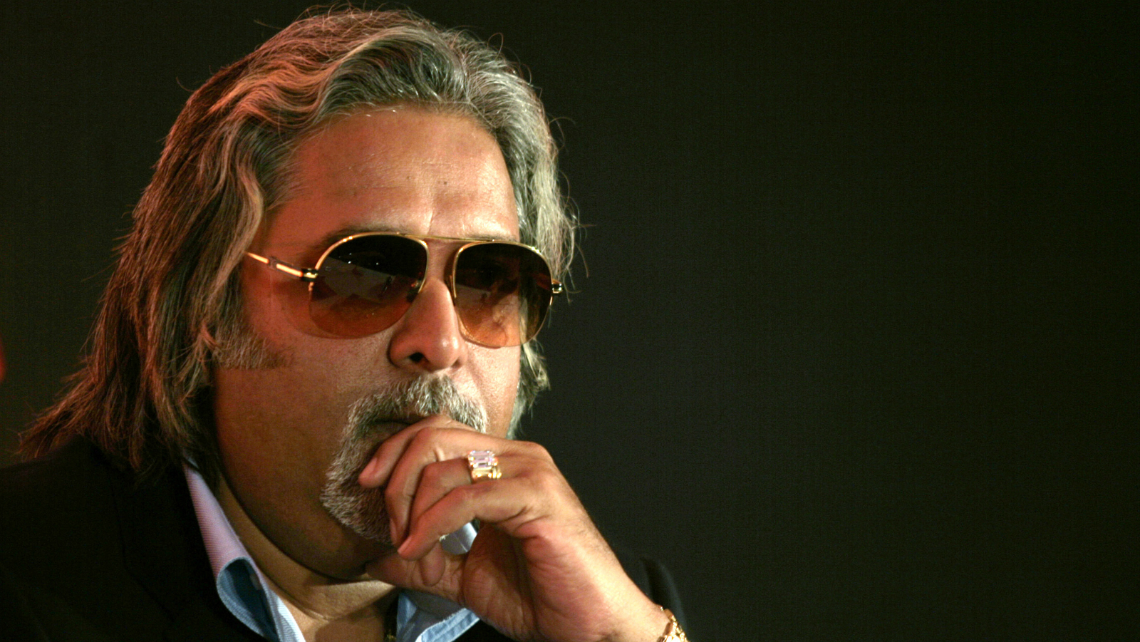 Kingfisher Airlines Chairman Vijay Mallya attends a news conference in Mumbai February 6, 2007.