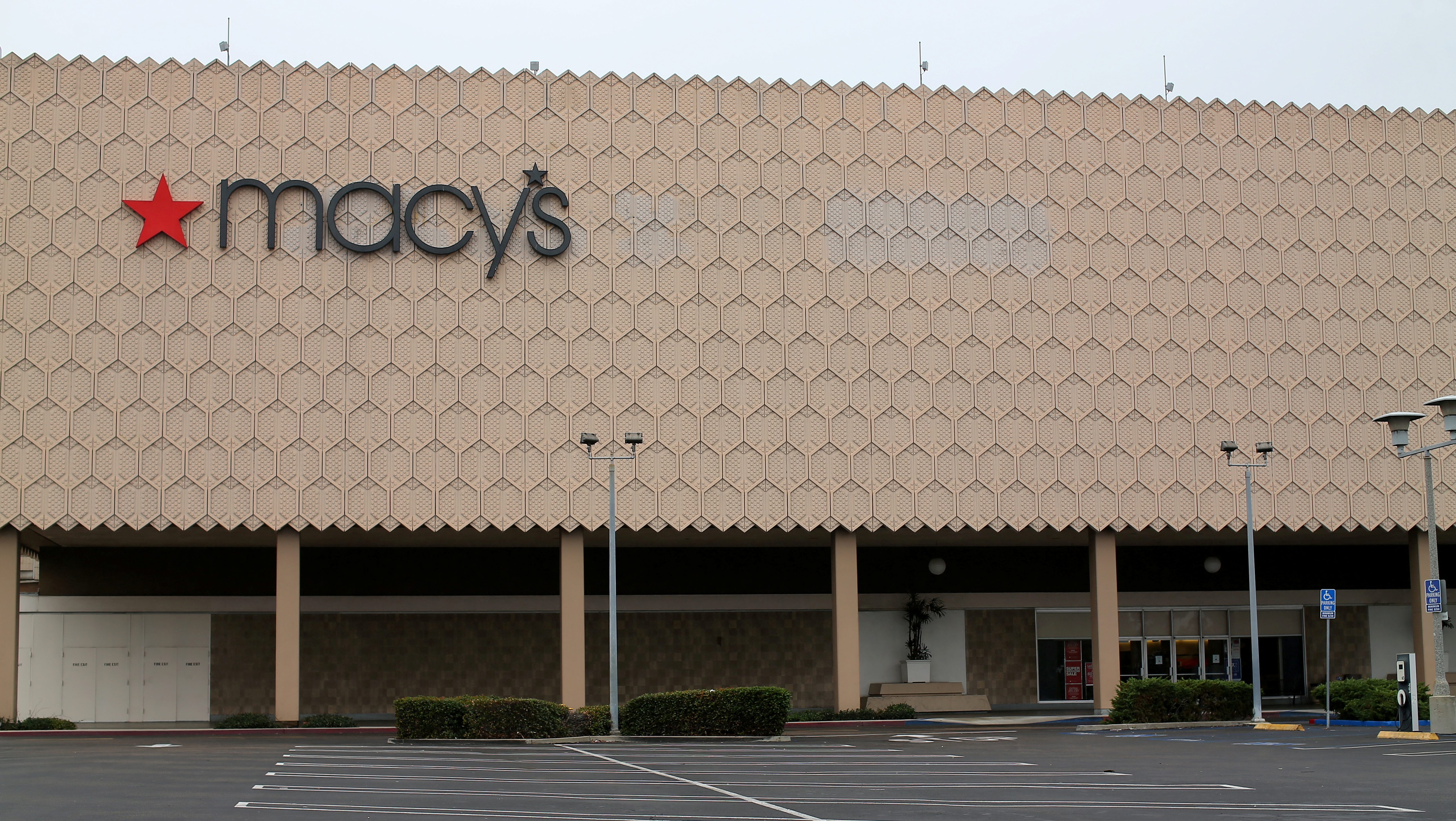 One of the 68 Macy's Inc stores the company plans to close is shown at the Mission Valley Center mall in San Diego, California, U.S. January 5, 2017. REUTERS/Mike Blake - RTX2XODS