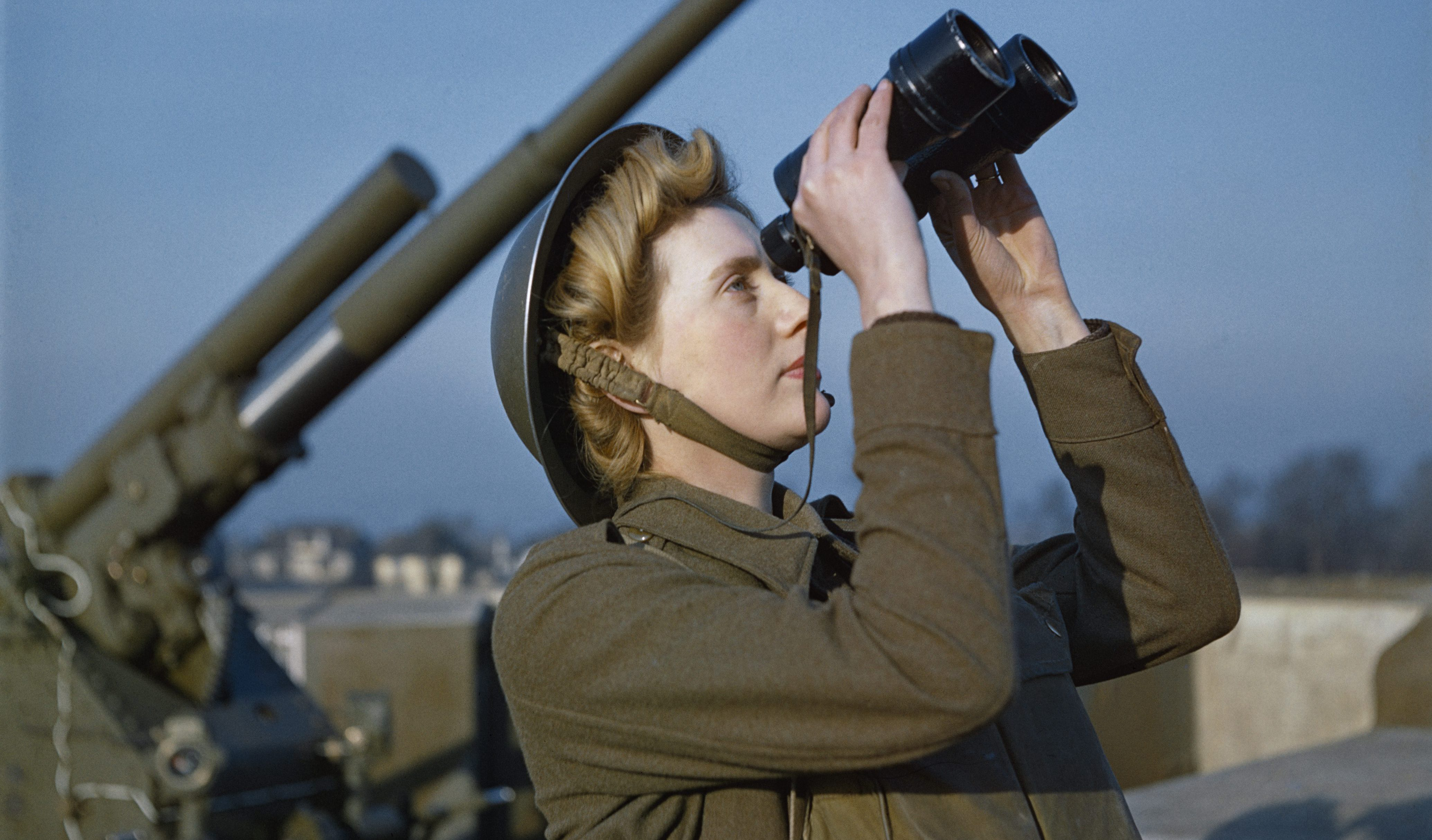 Girl power. (Imperial War Museum)