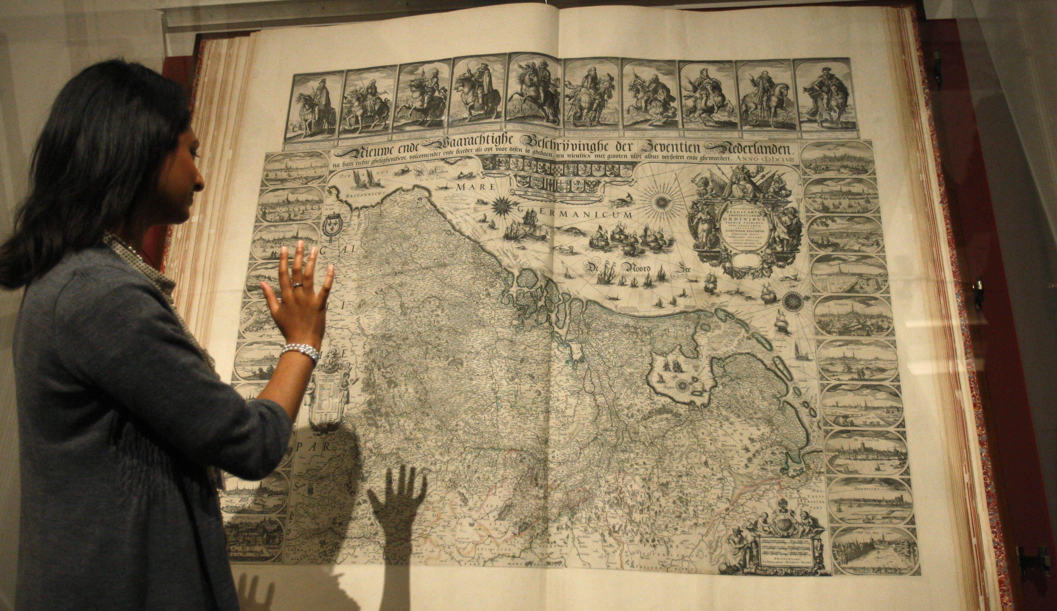 BRITAIN MAGNIFICENT MAPS