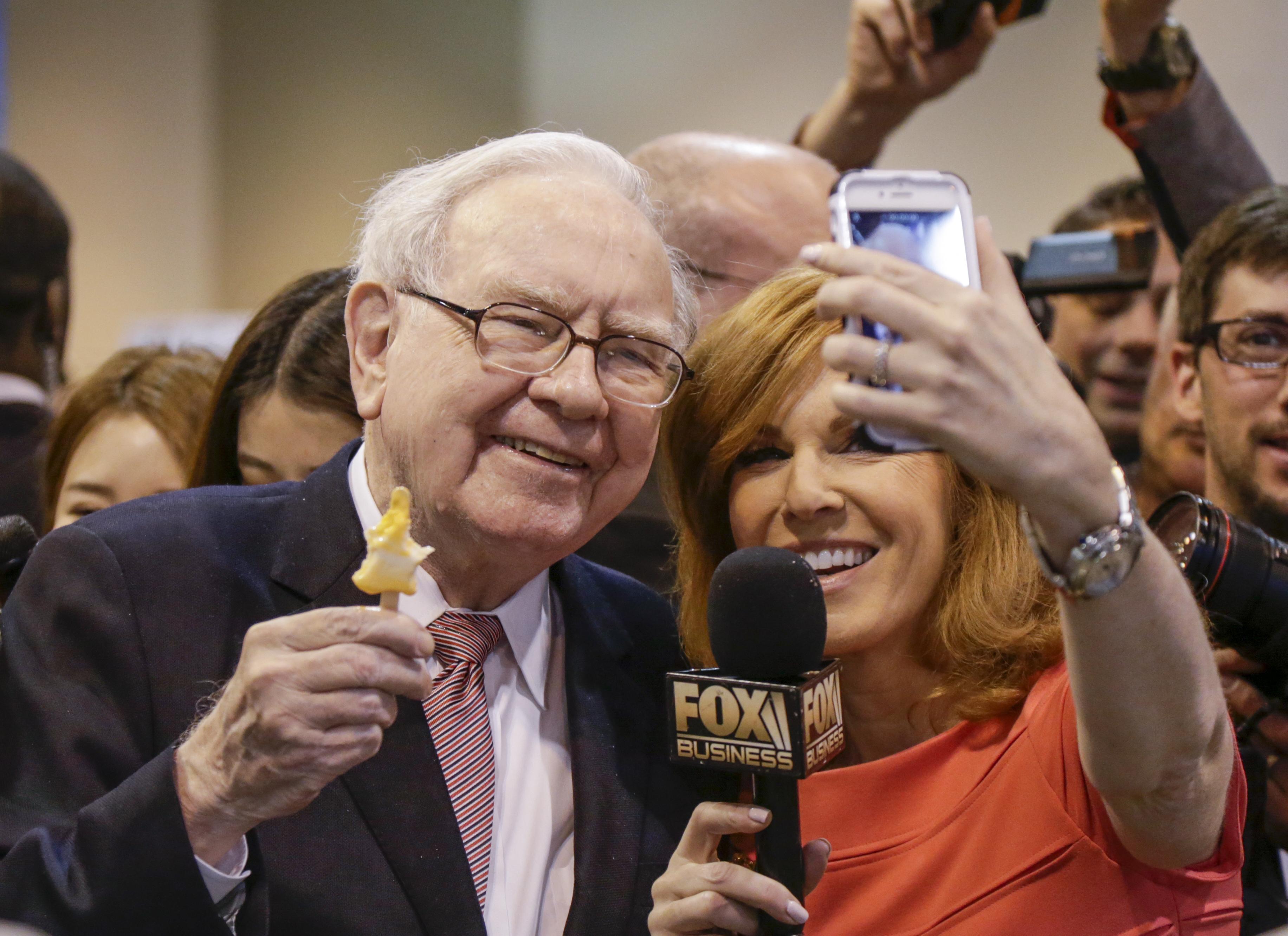 Warren Buffett, Liz Claman