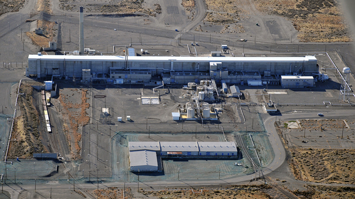 The Purex (Plutonium Uranium Extraction Plant) separations facility at the Hanford Works is seen in an undated aerial photo. The building has been vacant for nearly twenty years but remains highly contaminated, according to the Department of Energy.   DOE/Handout via REUTERS  FOR EDITORIAL USE ONLY. NOT FOR SALE FOR MARKETING OR ADVERTISING CAMPAIGNSTHIS IMAGE HAS BEEN SUPPLIED BY A THIRD PARTY. IT IS DISTRIBUTED, EXACTLY AS RECEIVED BY REUTERS, AS A SERVICE TO CLIENTS - RTS15VJI