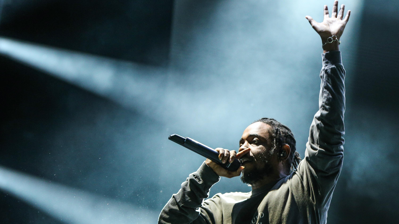 Kendrick Lamar rapping.