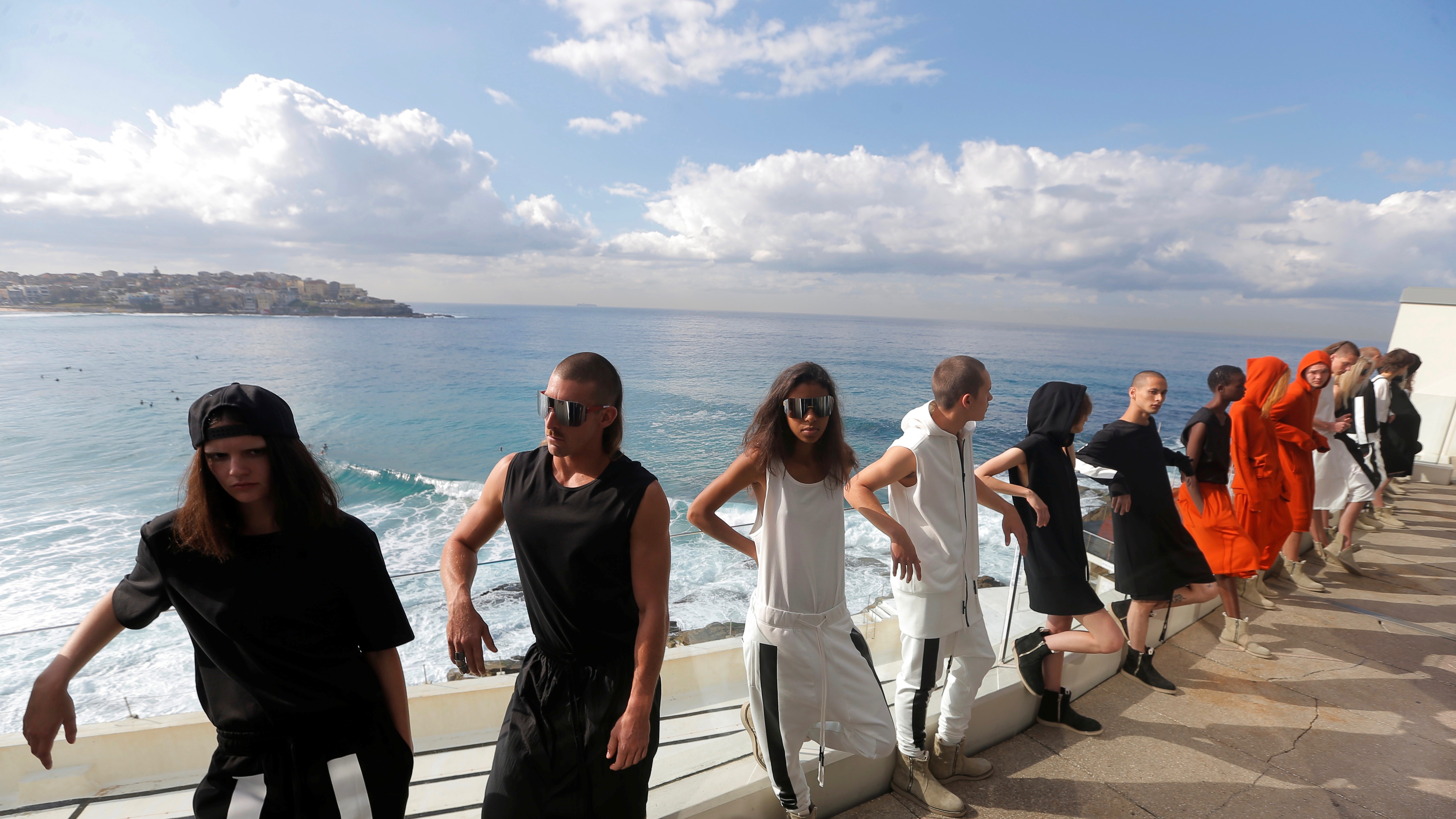 Models for the Ten Pieces on the Balcony of Bondi Icebergs, AU.