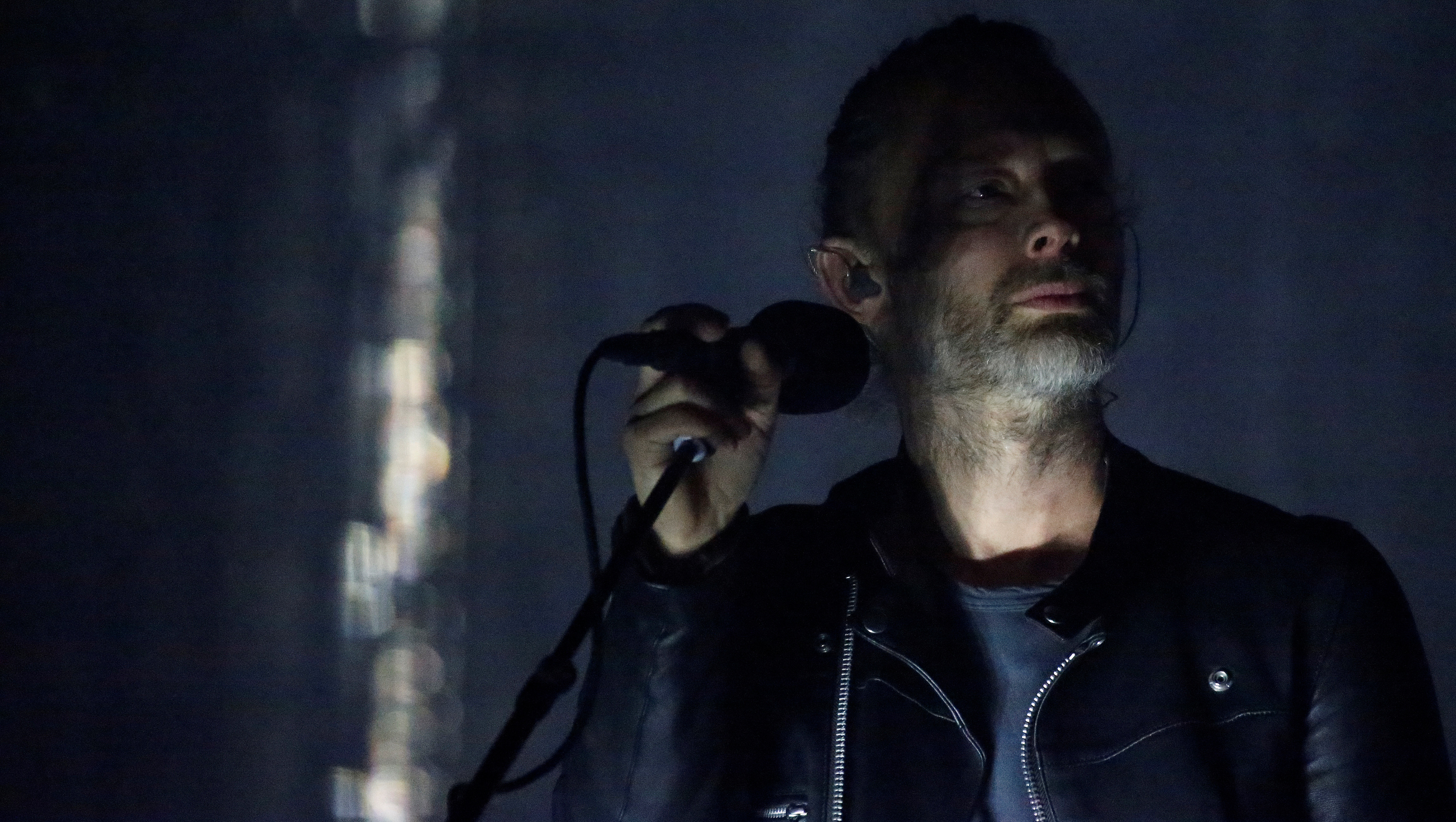 Lead singer of Radiohead Thom Yorke performs on the opening day of the Coachella Valley Music and Arts Festival in Indio, California, U.S., April 14, 2017.   REUTERS/Carlo Allegri - RTS12E88