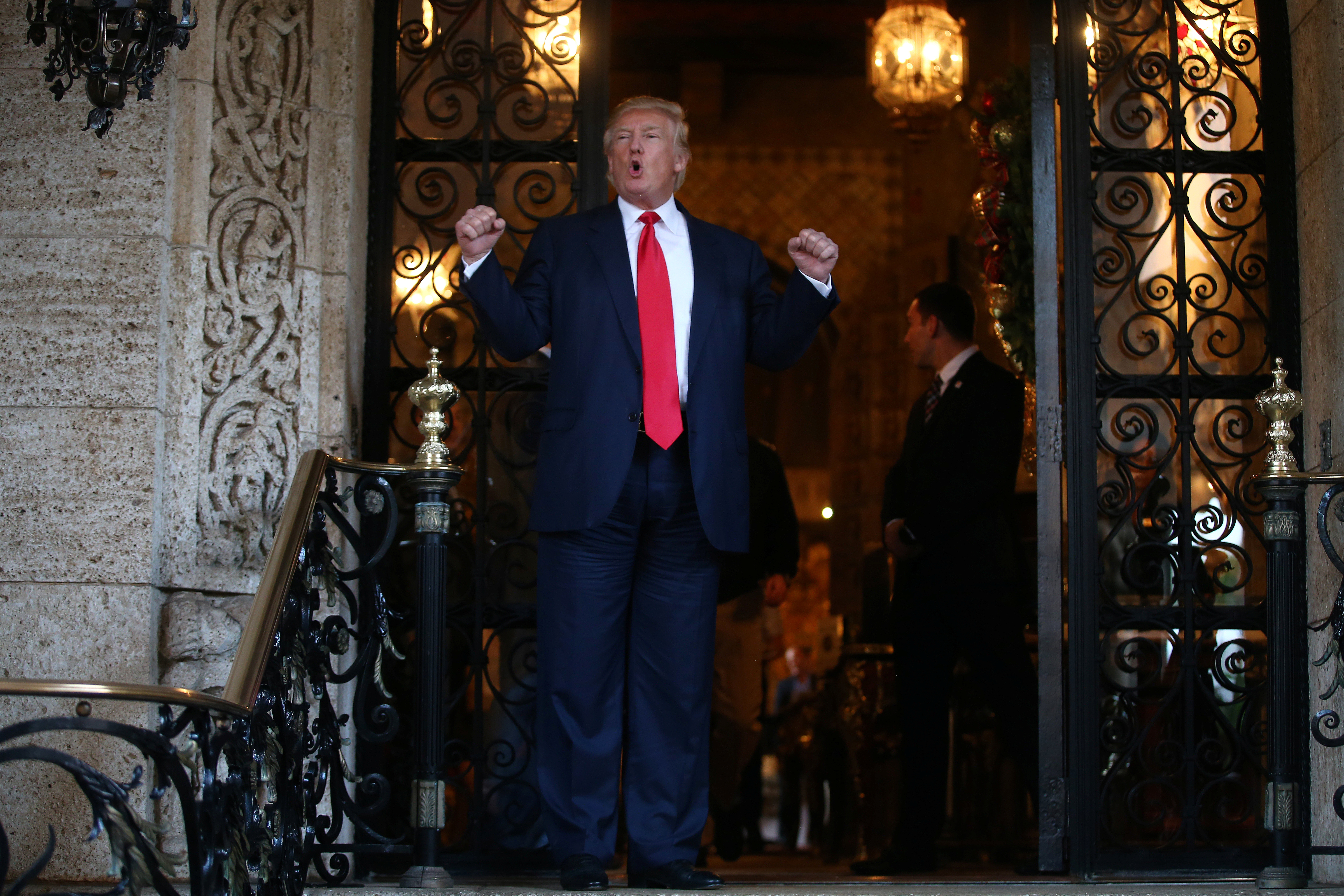 DATE IMPORTED:December 21, 2016U.S. President-elect Donald Trump talks to members of the media after a meeting meeting with Pentagon officials at Mar-a-Lago estate in Palm Beach, Florida, U.S., December 21, 2016. REUTERS/Carlos Barria