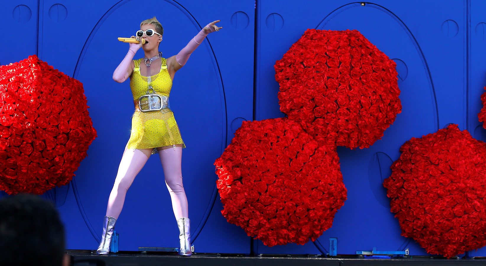 Katy Perry performs at the Wango Tango concert in Carson, California U.S., May 13, 2017.   REUTERS/Mario Anzuoni - RTX35Q18