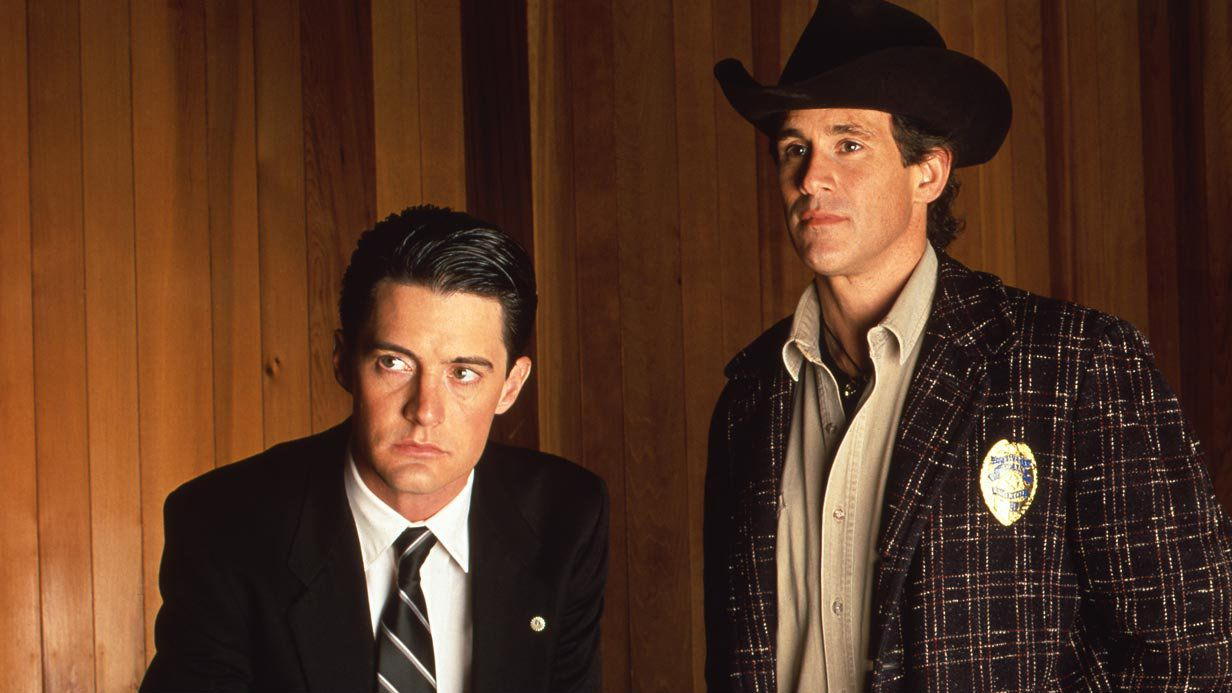 "From Usenet to Reddit, ""Twin Peaks's"" obsessed fans have been trying"
