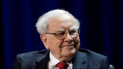 Warrenn Buffett trusts his employees to do the right thing.