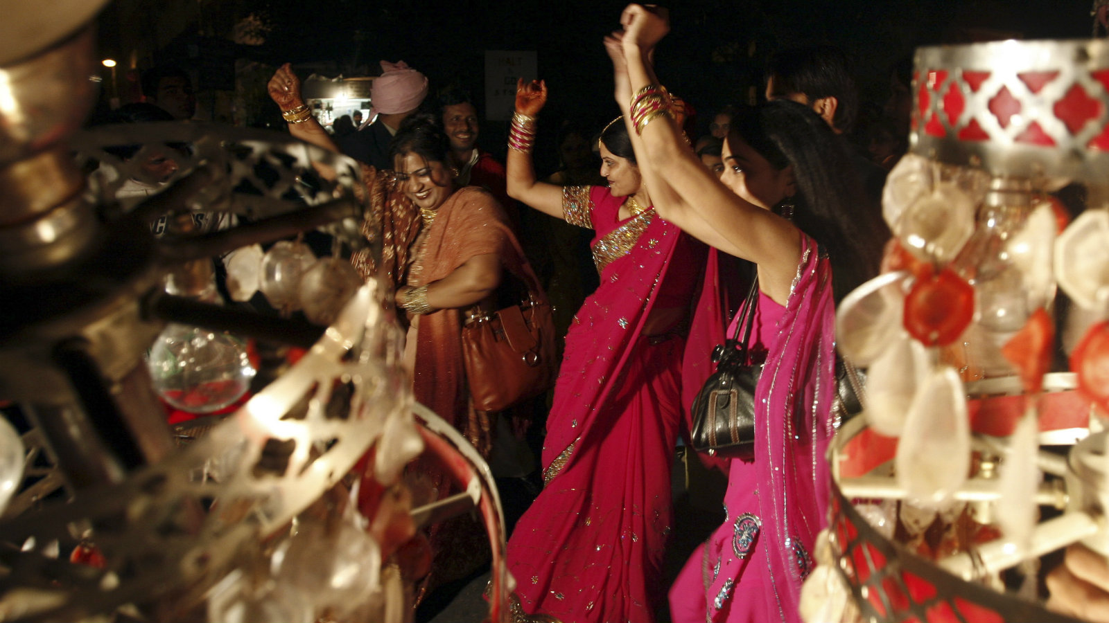 Overheard At The Great Indian Wedding Hey Mom Why Do You Have 40 Sisters Quartz India
