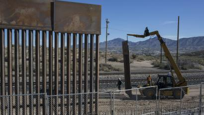 The Cost Of Donald Trump S Border Wall Will Probably Never