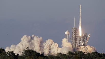 A Falcon 9 SpaceX rocket carrying a communications satellite lifts off from pad 39A at the Kennedy Space Center in Cape Canaveral, Fla., Monday, May 15, 2017. The satellite will add to Inmarsat's Global Xpress network linking airplanes, ships and other mobile terminals with broadband Internet and data services. (AP Photo/John Raoux)