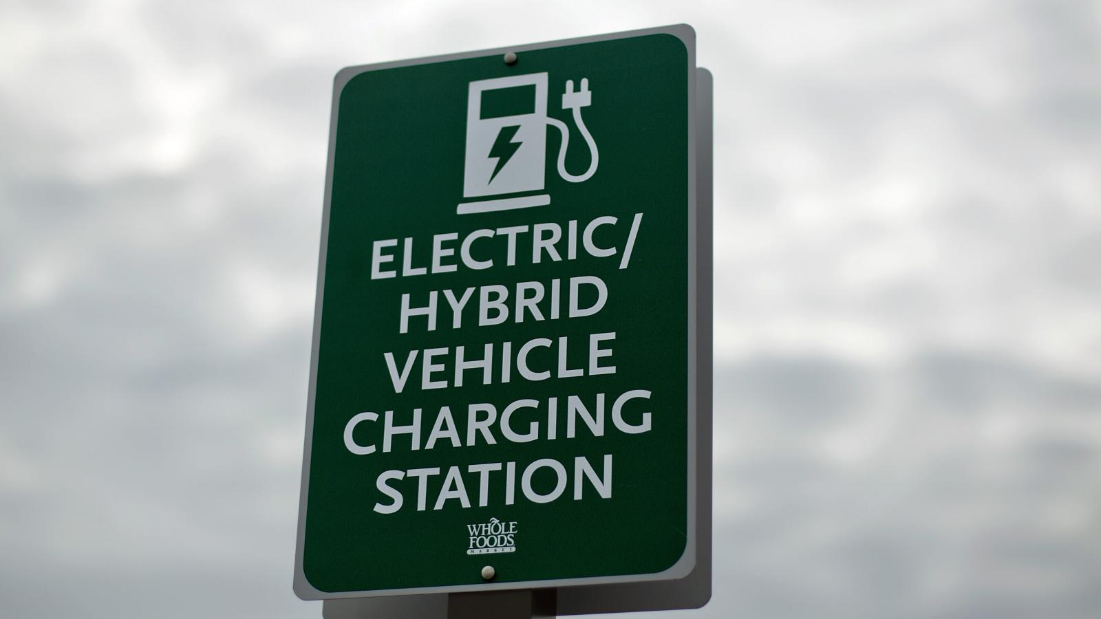 There Are Now 16 000 Public Electric Vehicle Charging Stations In The Us And China Has Way More