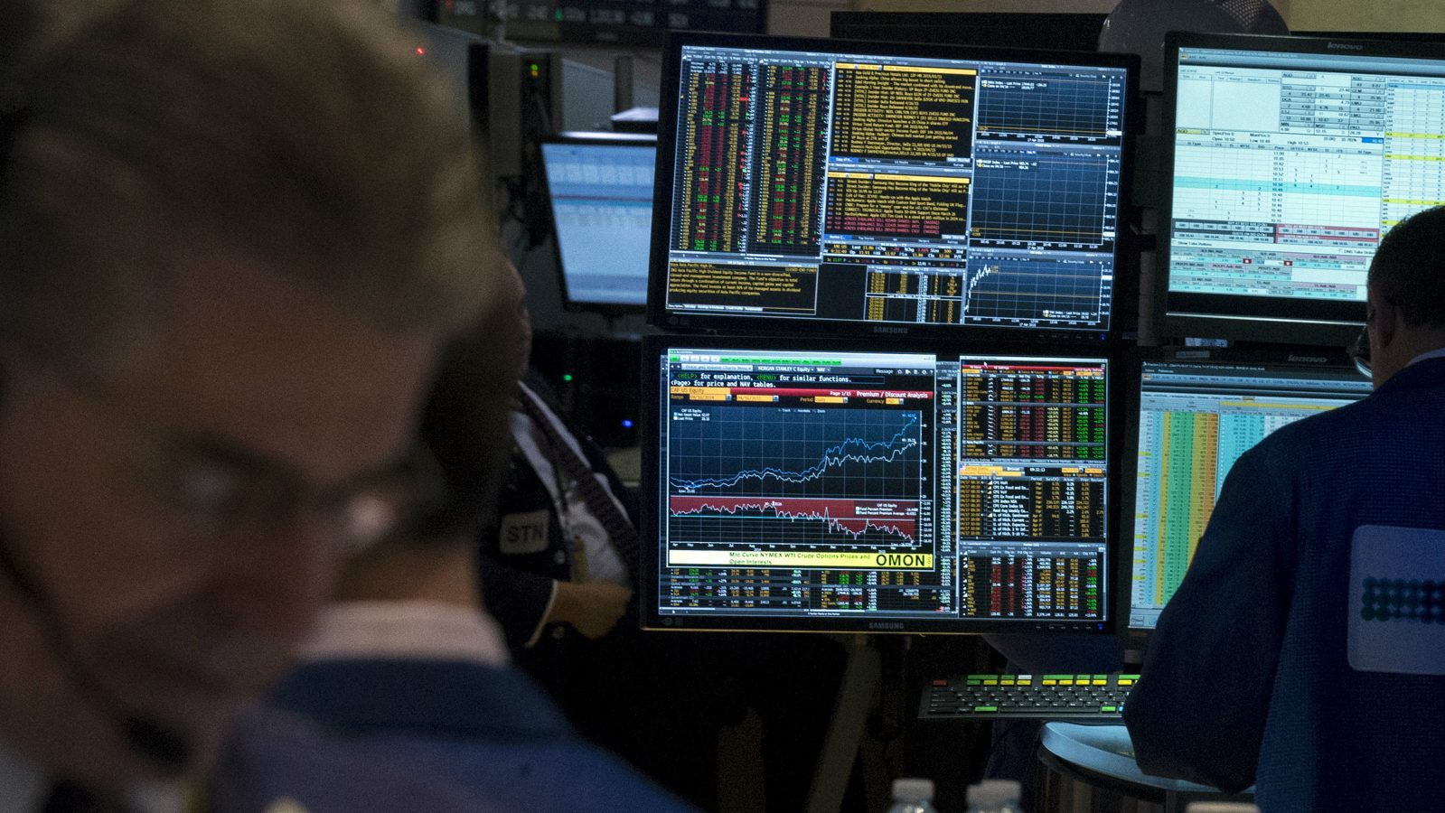 A Bloomberg terminal is seen inside a kiosk on the floor of the New York Stock Exchange April 17, 2015. An outage at news and market data provider Bloomberg LP hit financial markets around the world on Friday, prompting debt sales to be postponed and exacerbating a spike in volatility in European stocks.