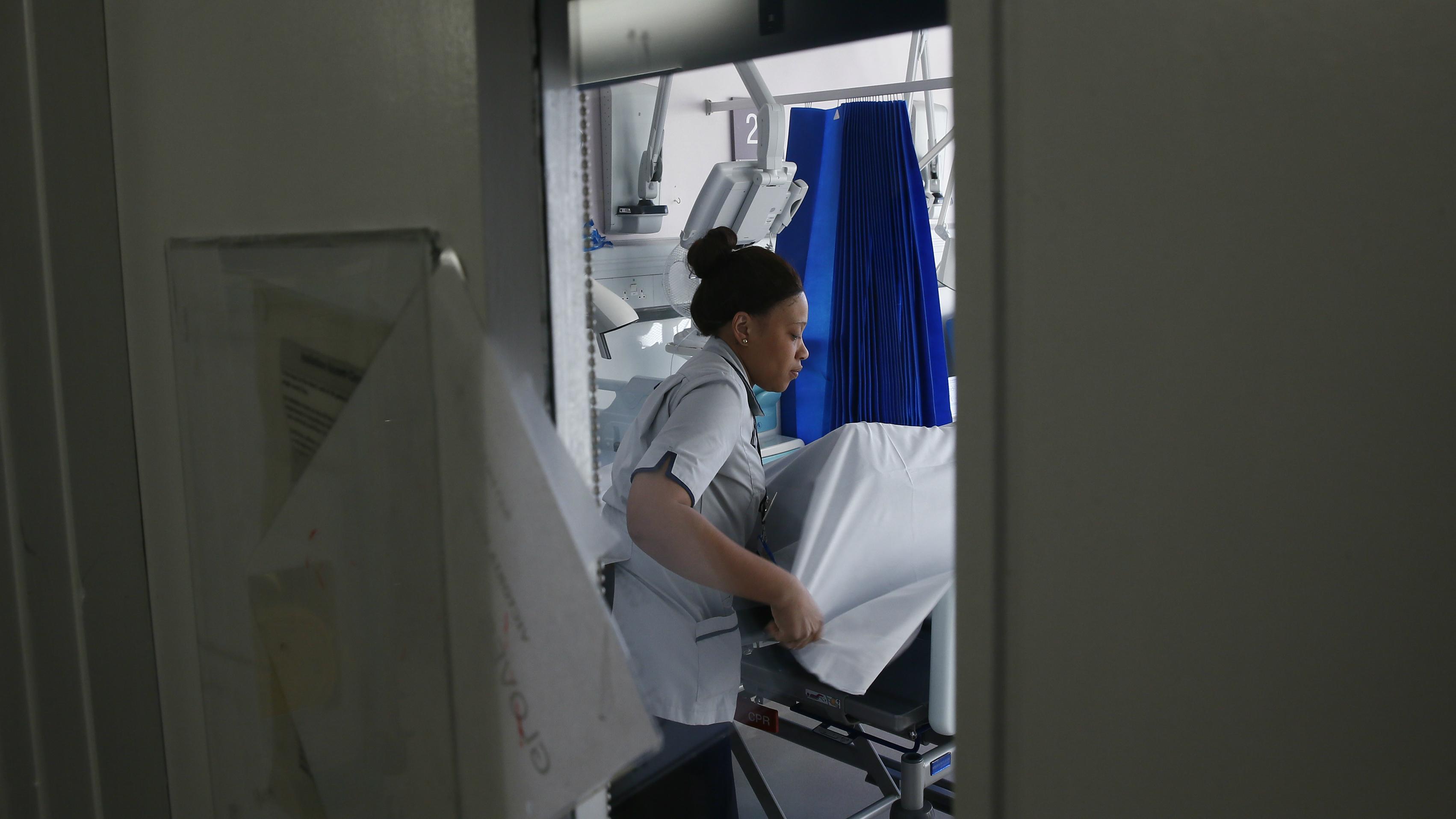 c-nurse-RTR4NY2C-Stefan Wermuth