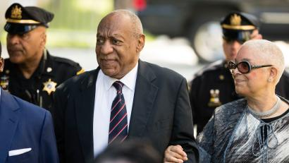 Bill Cosby arrives for his sexual assault trial with his wife Camille Cosby at the Montgomery County Courthouse in Norristown, Pa., Monday, June 12, 2017. (AP Photo/Matt Rourke)