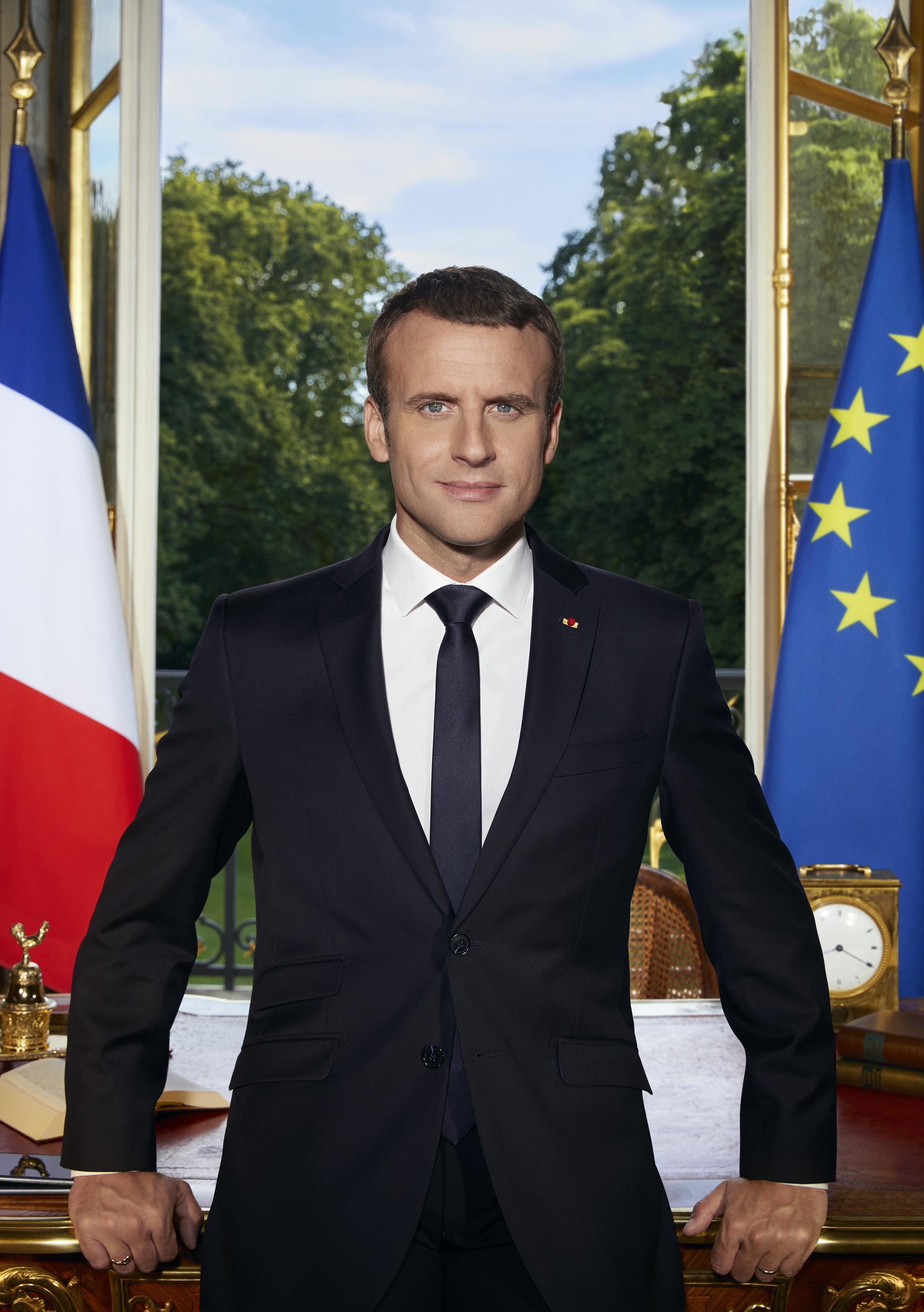 Emmanuel Macron S Official Portrait Is A Symbolic Celebration Of Centrism Quartz