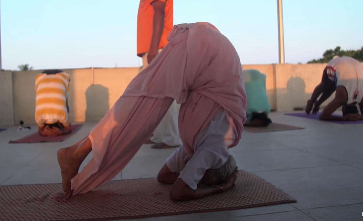 India-Yoga-Nanammal3