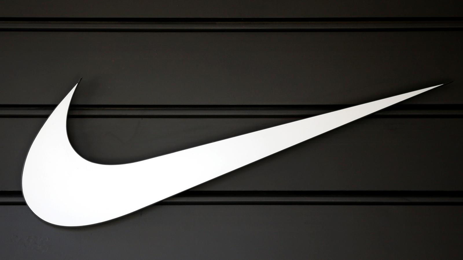 80a23a01155 Nike s new partnership with Amazon brings great benefits and major risks