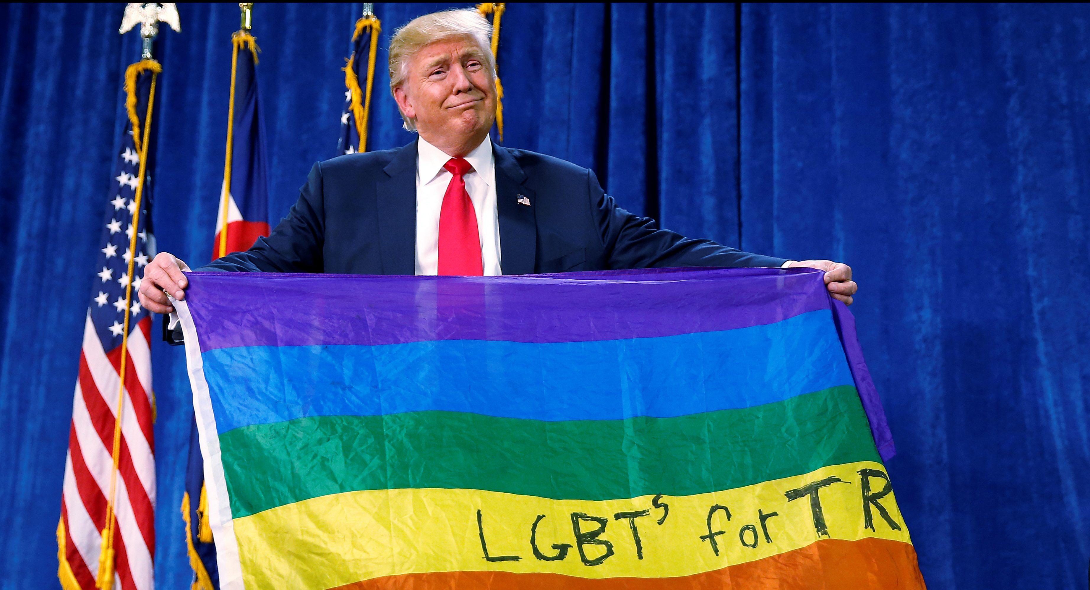 Trumps gays