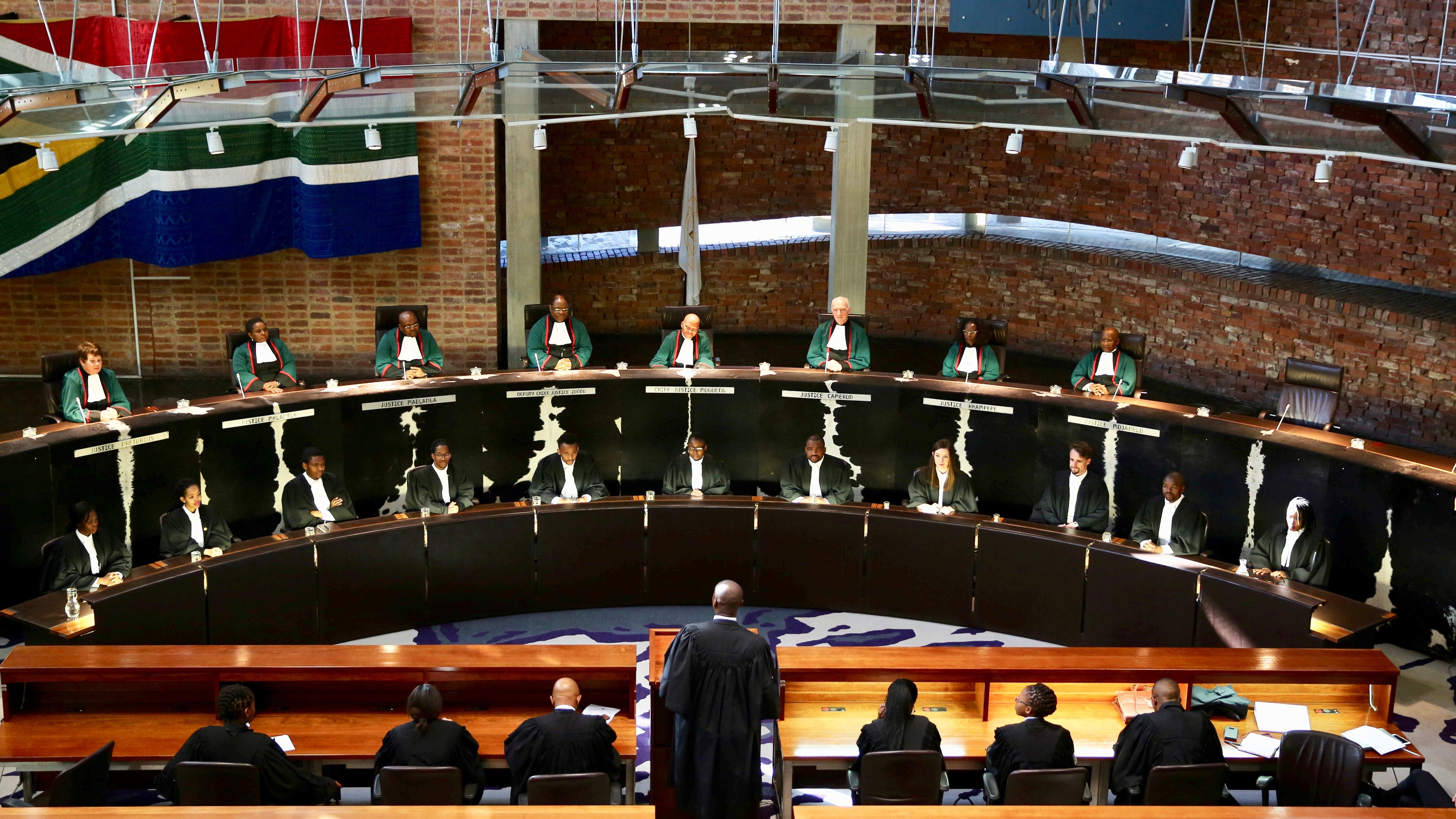 South Africa's Chief Justice Mogoeng Mogoeng (Top, C) looks on with other judges before making a ruling at the Constitutional Court in Johannesburg, South Africa ,June 22,2017.  REUTERS/Siphiwe Sibeko - RTS18686
