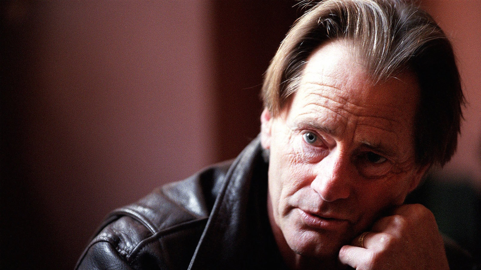 """Sam Shepard, playwright and director of """"The Late Henry Moss,"""" is photographed during an interview in San Francisco, Nov. 10, 2000. Shepard treads familiar ground in his latest three-act, three-hour production, scheduled to open Nov. 14, in which two estranged brothers confront their family's violent past after the death of their father. (AP Photo/Jakub Mosur)"""