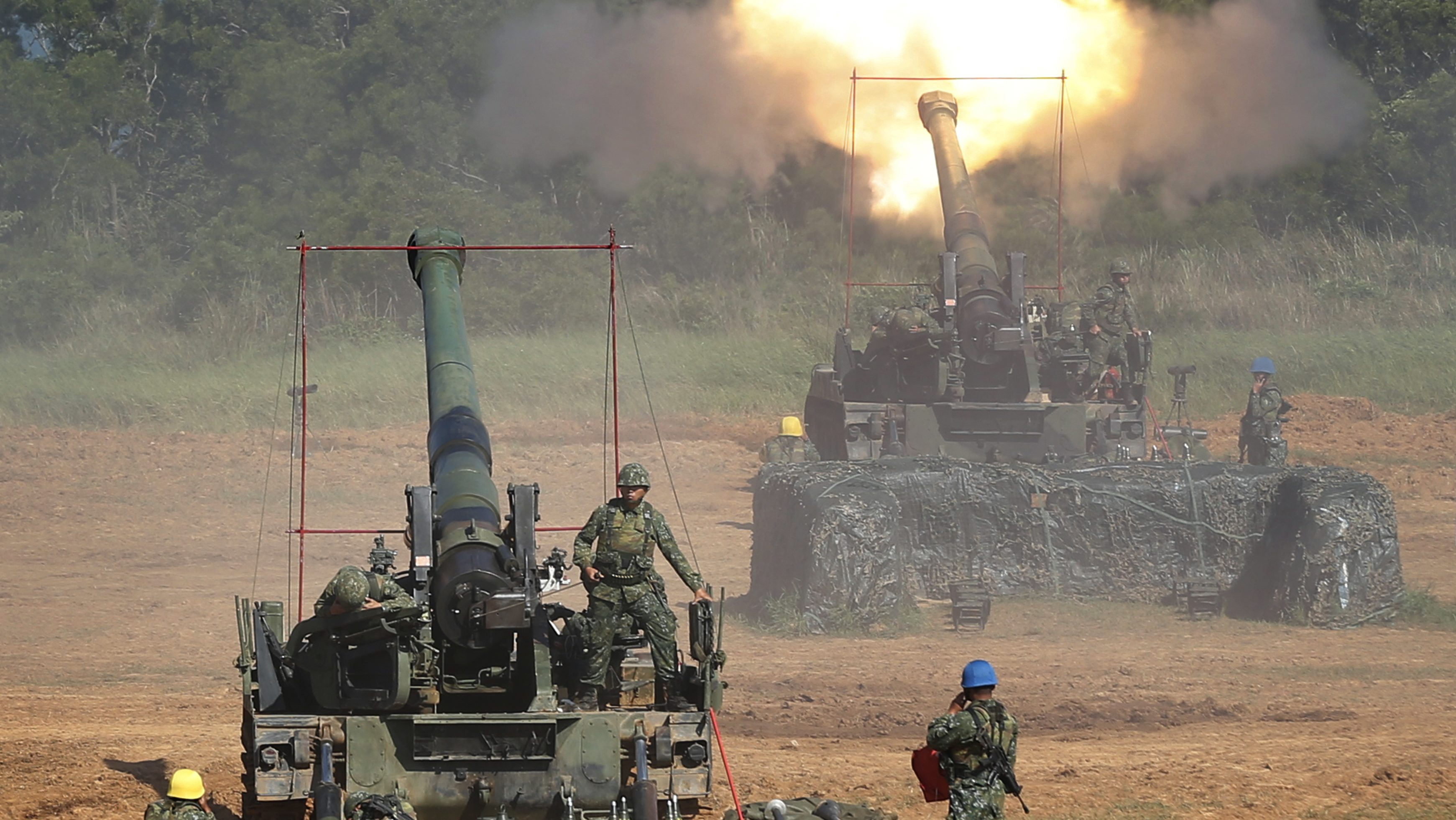 In this Sept. 10, 2015 file photo, Taiwan's military fire artillery from self-propelled Howitzers during the annual Han Kuang exercises in Hsinchu, north eastern Taiwan. The State Department has approved arms sales to Taiwan worth a total of $1.4 billion, the first such deal with the self-governing island since President Donald Trump took office, officials said June 29, 2017. The sale will anger China, which regards Taiwan as part of its territory. It comes at a delicate time for relations between Washington and Beijing over efforts to rein in nuclear-armed North Korea.