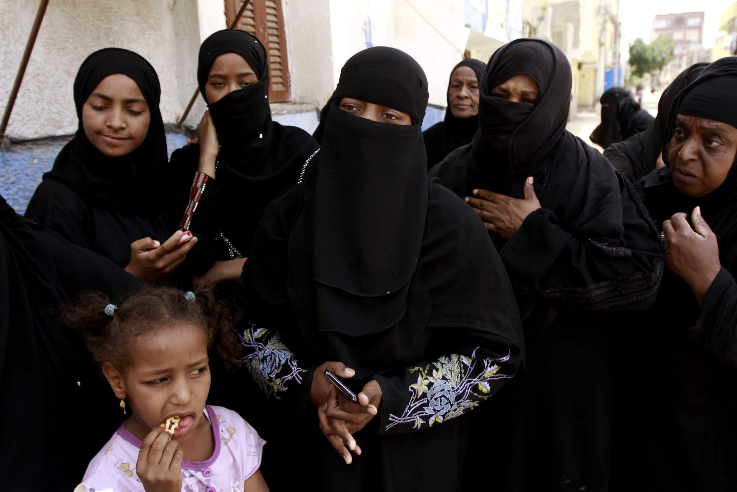 Nubian women mourn the death of a relative killed in a clash with the Arab clan, Haleyla in 2014. (AP/Sabry Khaled).