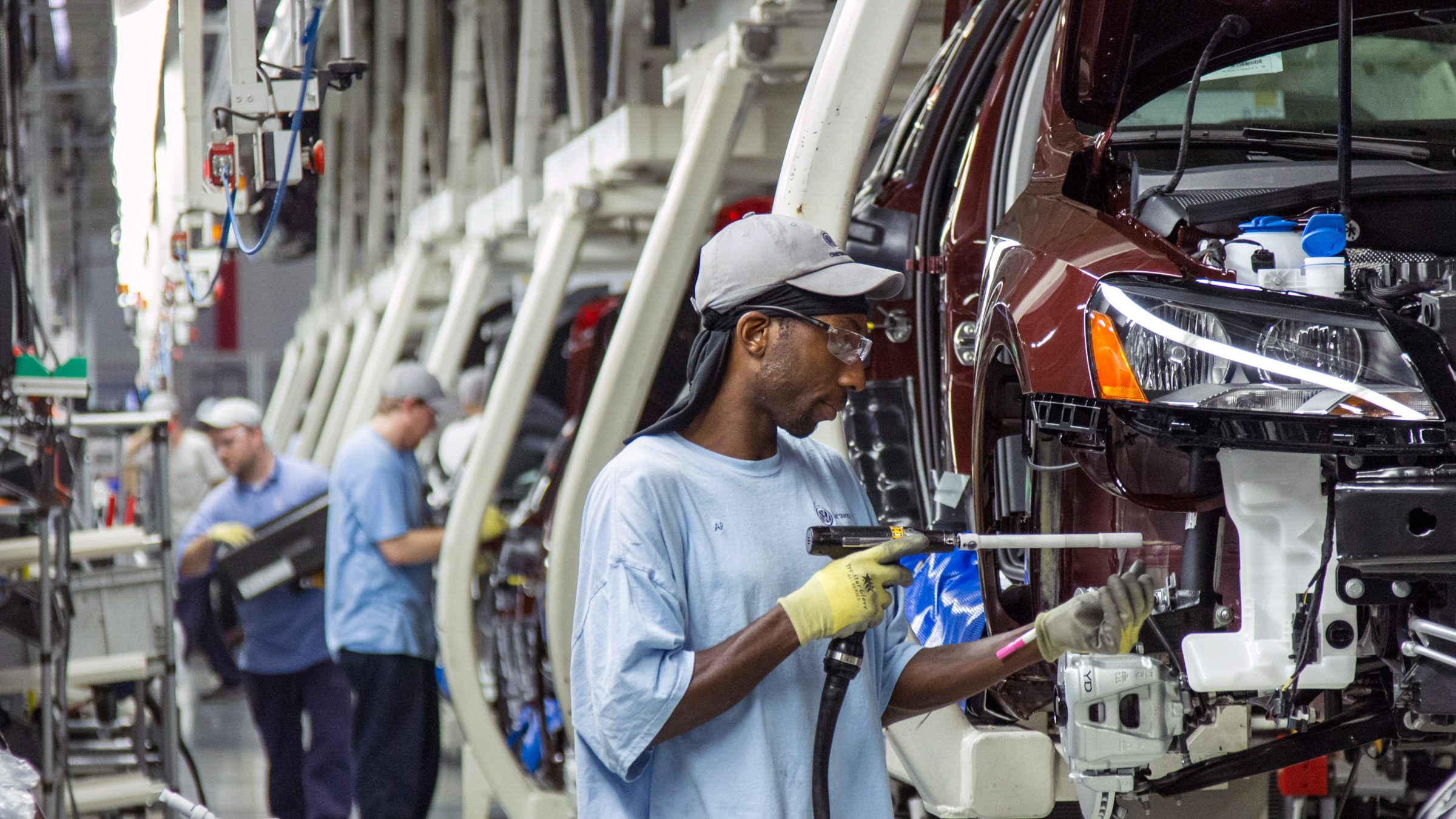 workers at assembly line at the Volkswagen plant in Chattanooga, Tenn.