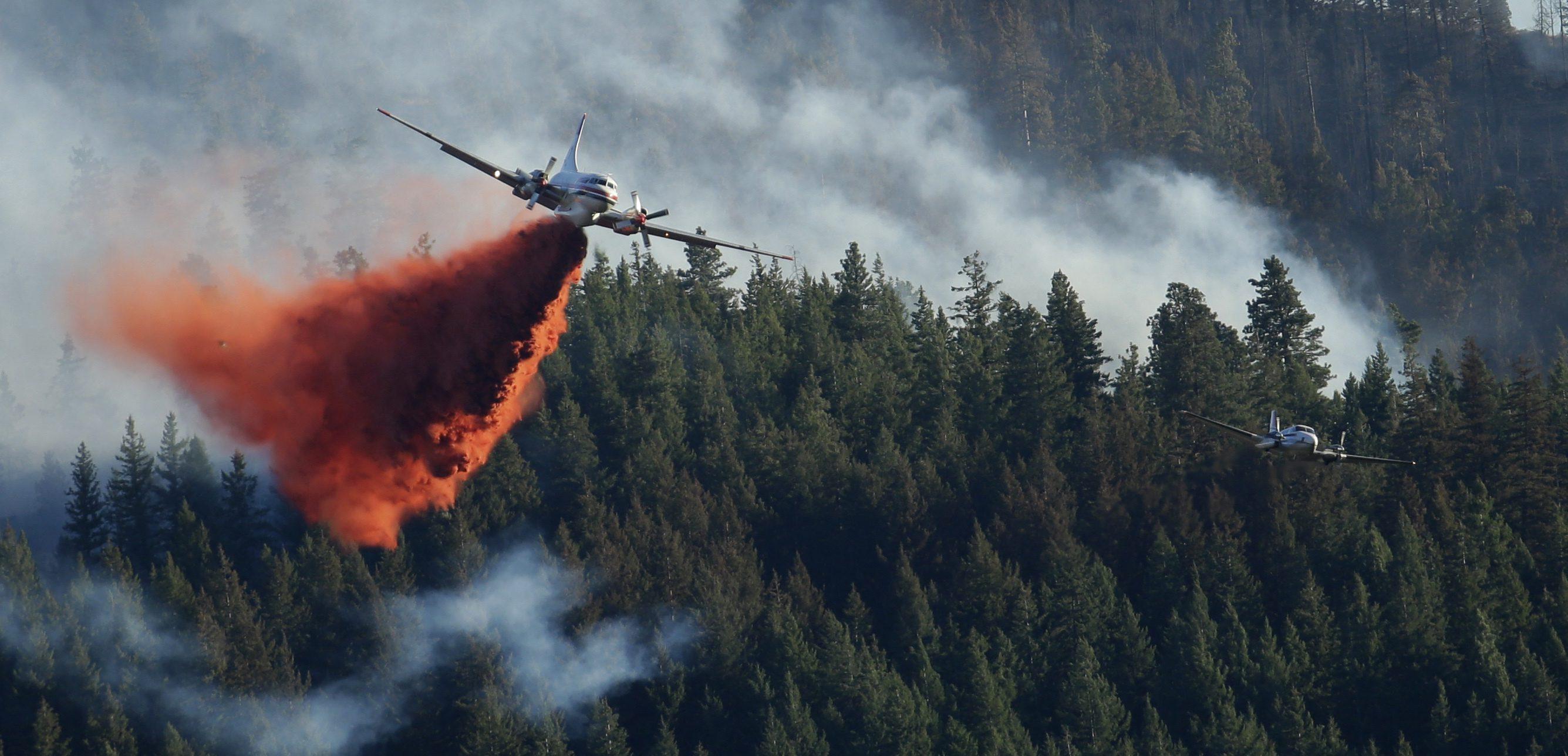 fire fighting plane