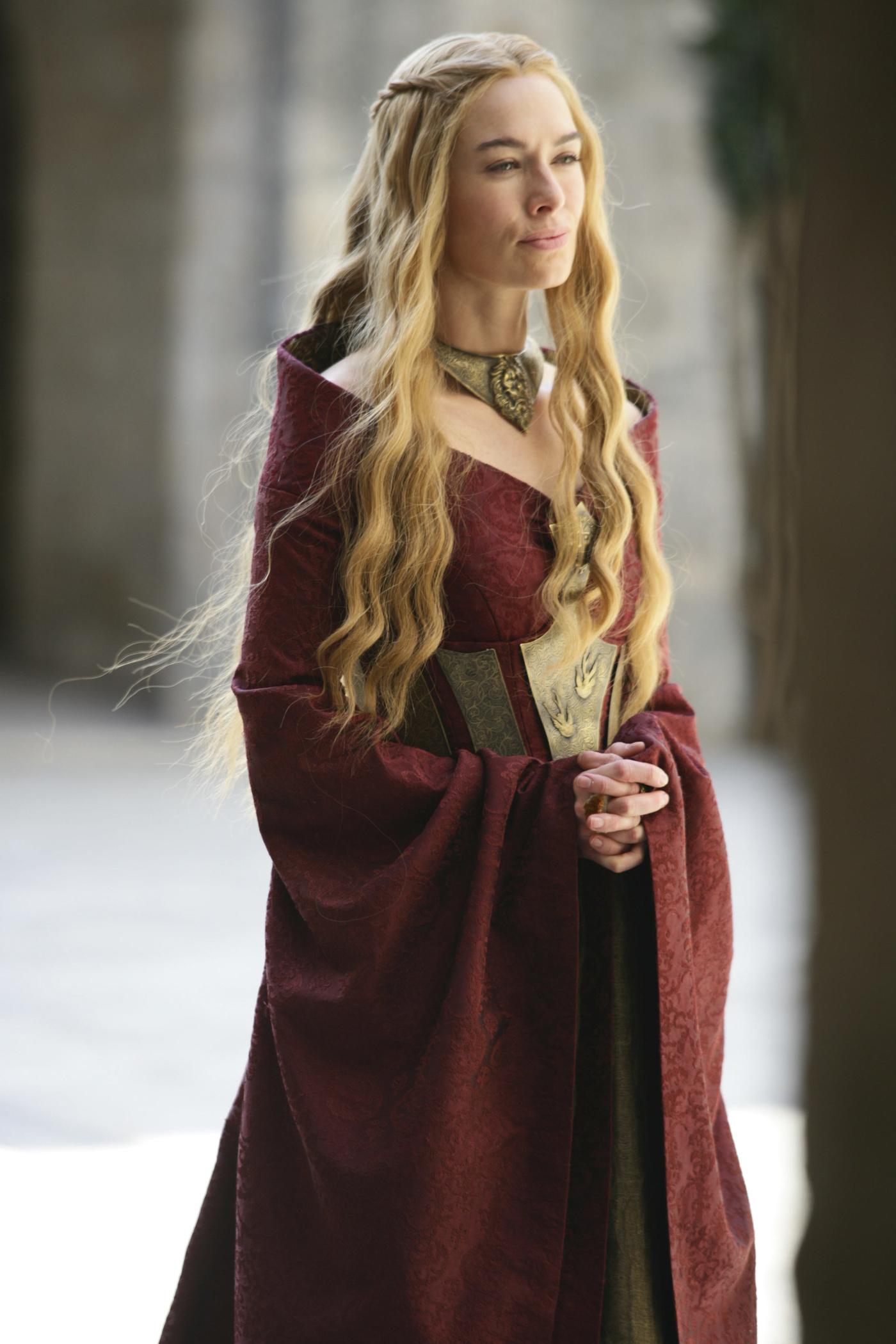 Game Of Thrones Season 7 What The Costumes Of Cersei Daenerys And Jon Snow Tell Us Quartz