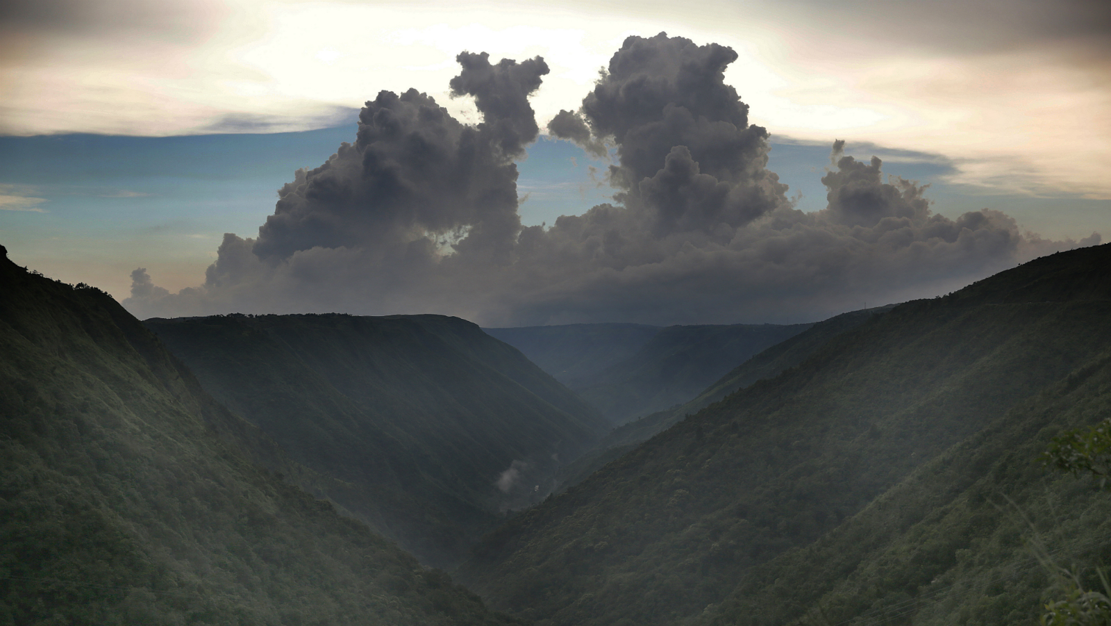 epa05542835 A picture made available on 16 September 2016 shows couds merging with the mountains in the evening in the Cherrapunji, Meghalaya, India, 25 August 2016. Cherrapunji might have lost its title of the 'wettest place on earth' to nearby Mawsynram by a few mm but it definitely retains its charms as a monsoon paradise with a quite a few titles to its name. Situated in the north eastern state of Meghalaya whose name itself means 'abode of rain' Cherrapunjee is bursting at the seams with monsoon magic.