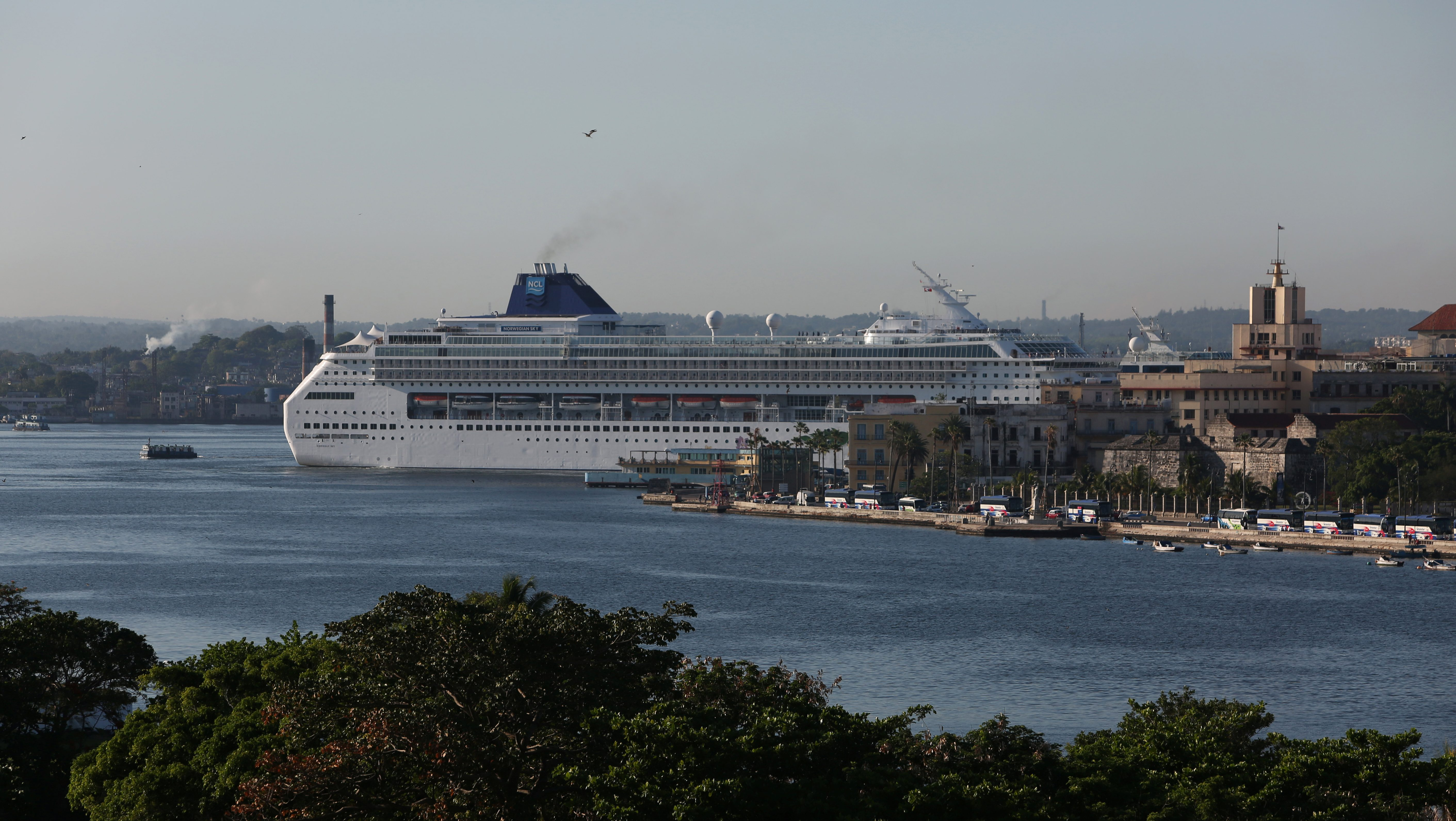 A cruise ship is seen at the Havana bay, Cuba May 16, 2017. Picture taken May 16, 2017. REUTERS/Stringer - RTS17EFQ