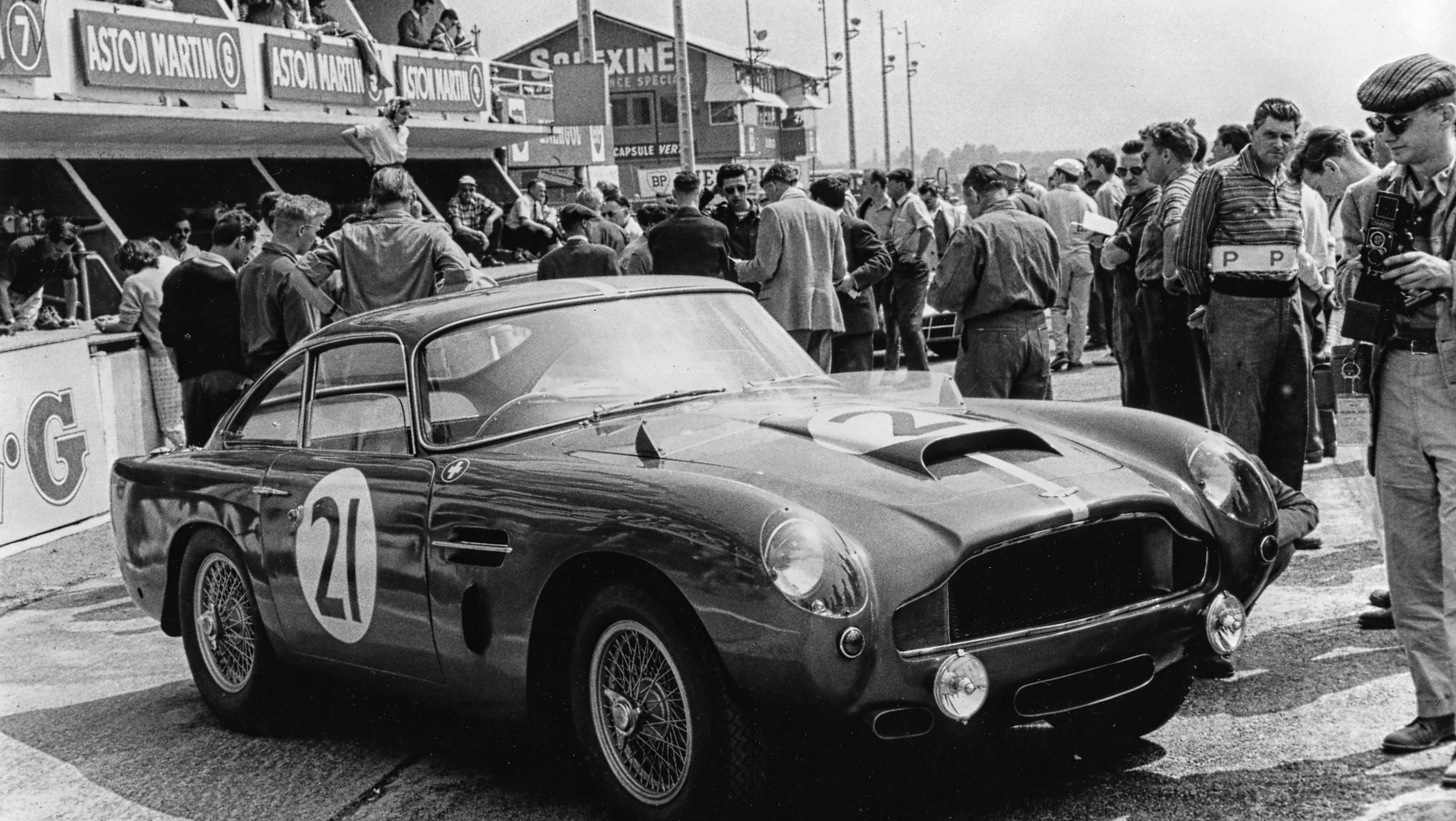 Classic cars like Ferraris and Porsches aren\'t such racy investments ...
