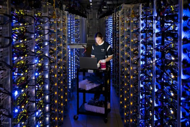 google-datacenter-technician_cropped