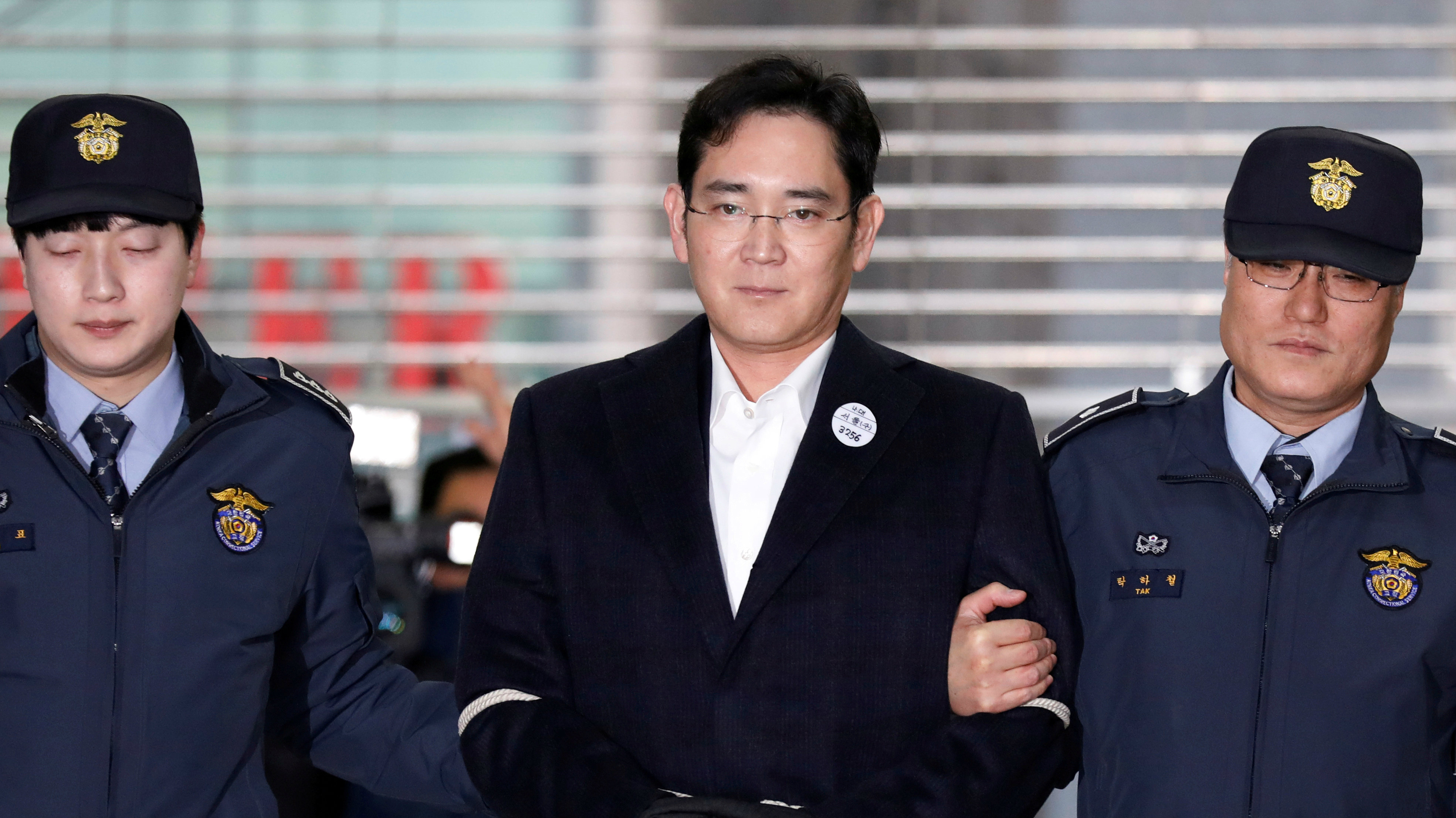 Samsung Group chief, Jay Y. Lee arrives at the office of the independent counsel team in Seoul, South Korea, February 19, 2017.