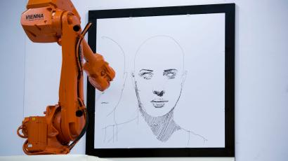 robot creates art by painting and drawing
