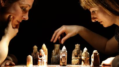 women playing chess
