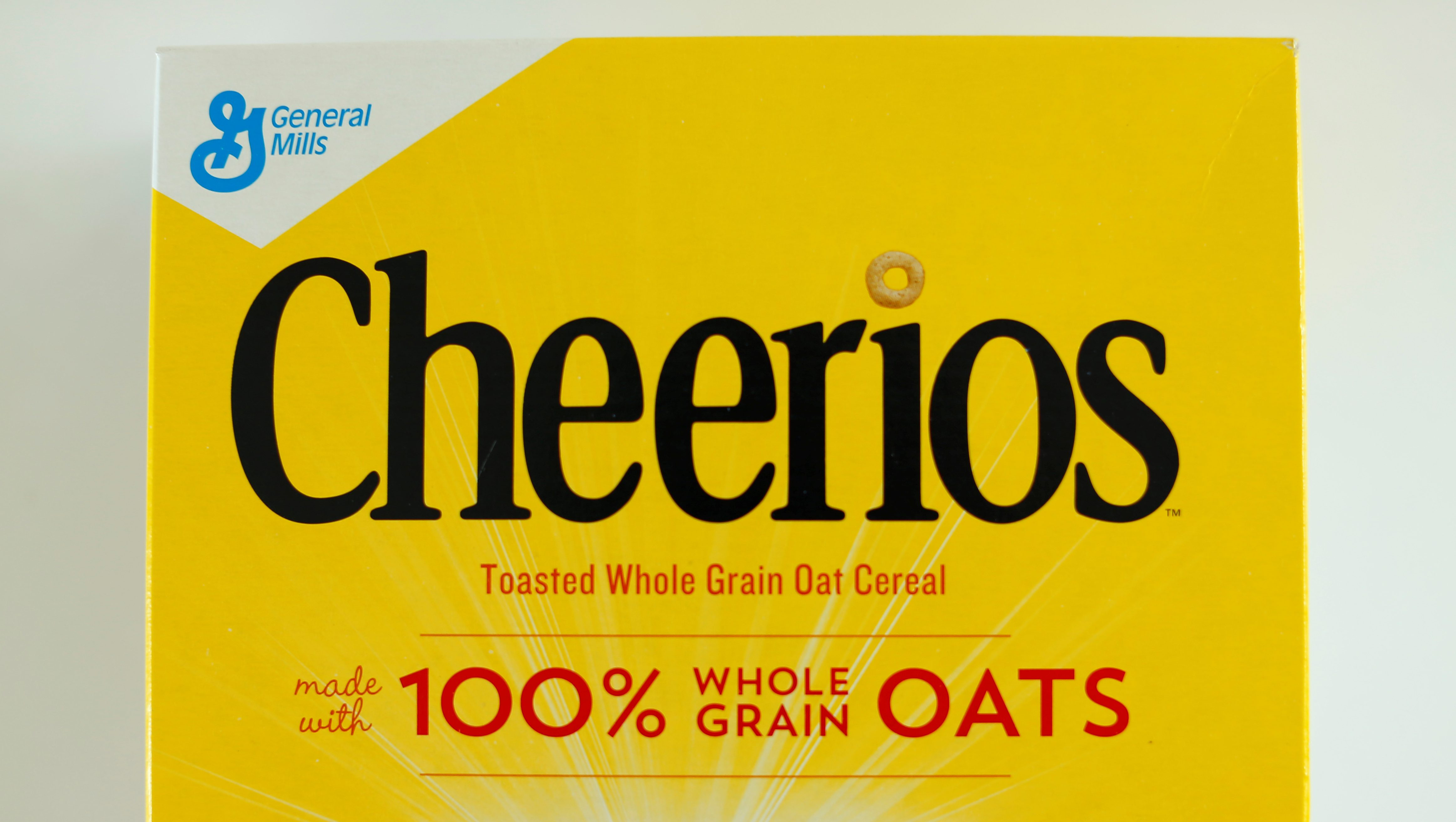 A box of Cheerios breakfast cereal made by General Mills is shown in this illustration photograph taken in Encinitas, California, U.S. June 27, 2016.        REUTERS/Mike Blake  - RTX2IKB6
