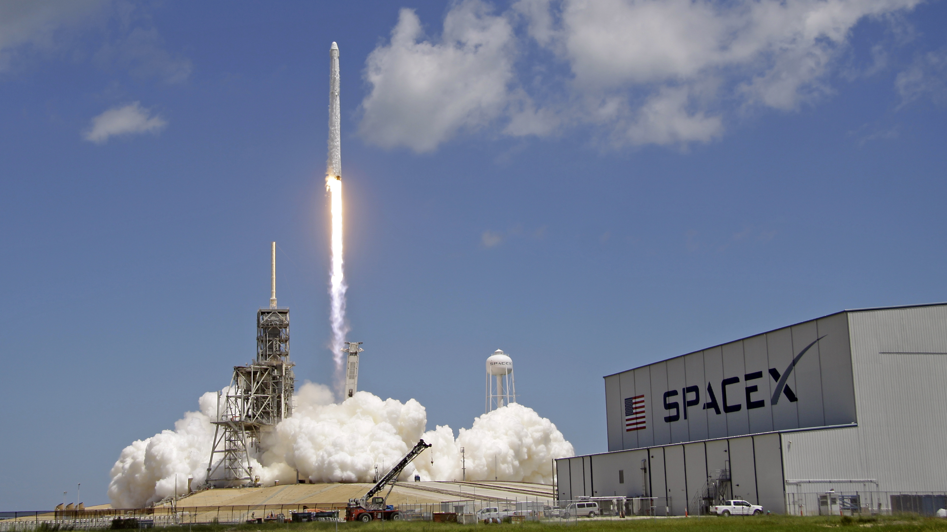 A Falcon 9 SpaceX rocket launches from pad 39A at the Kennedy Space Center in Cape Canaveral, Fla., Monday, Aug. 14, 2017. The mission of the spacecraft is a cargo and supply delivery to the International Space Station.(AP Photo/John Raoux)