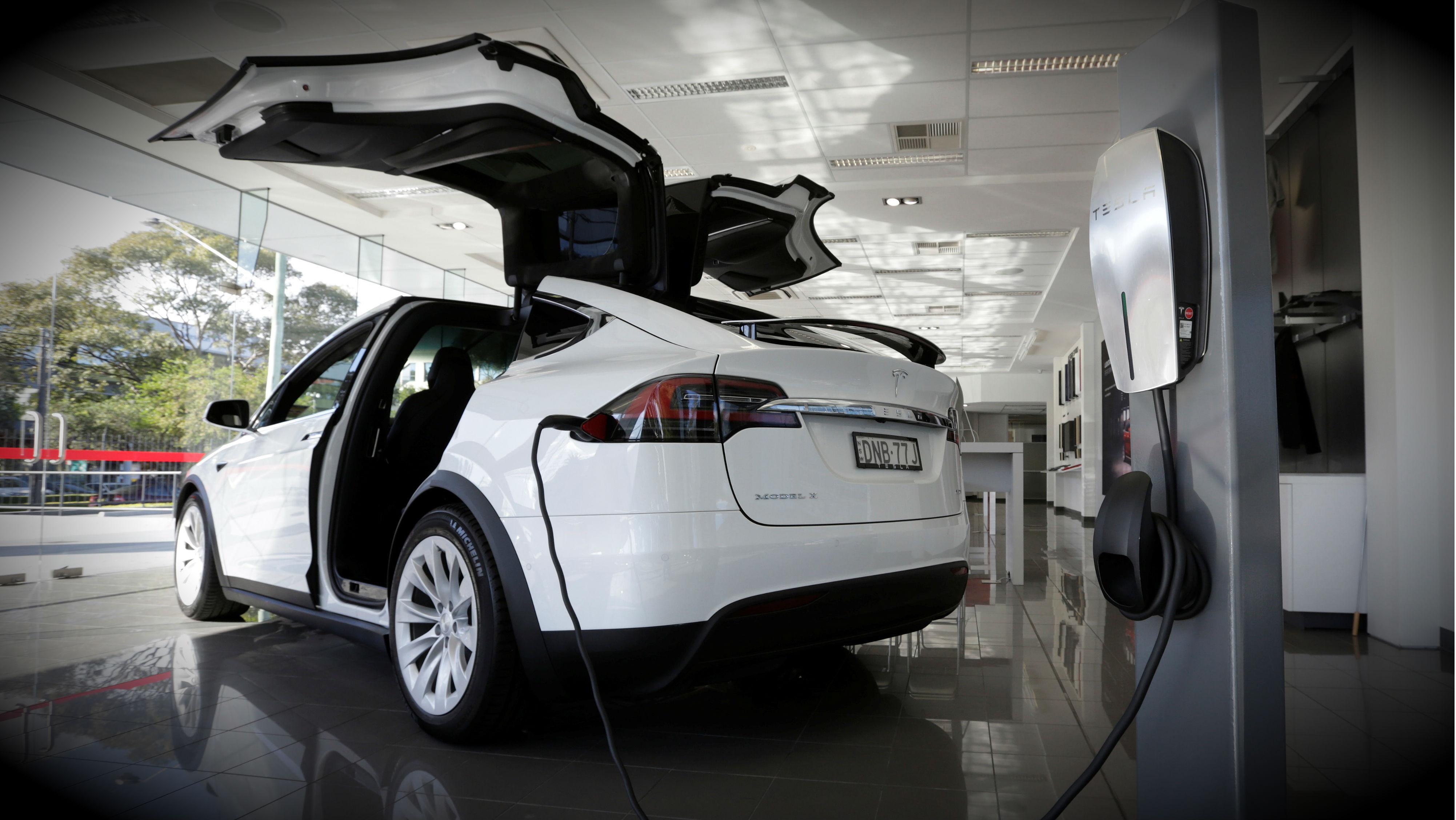 Tesla home car charger