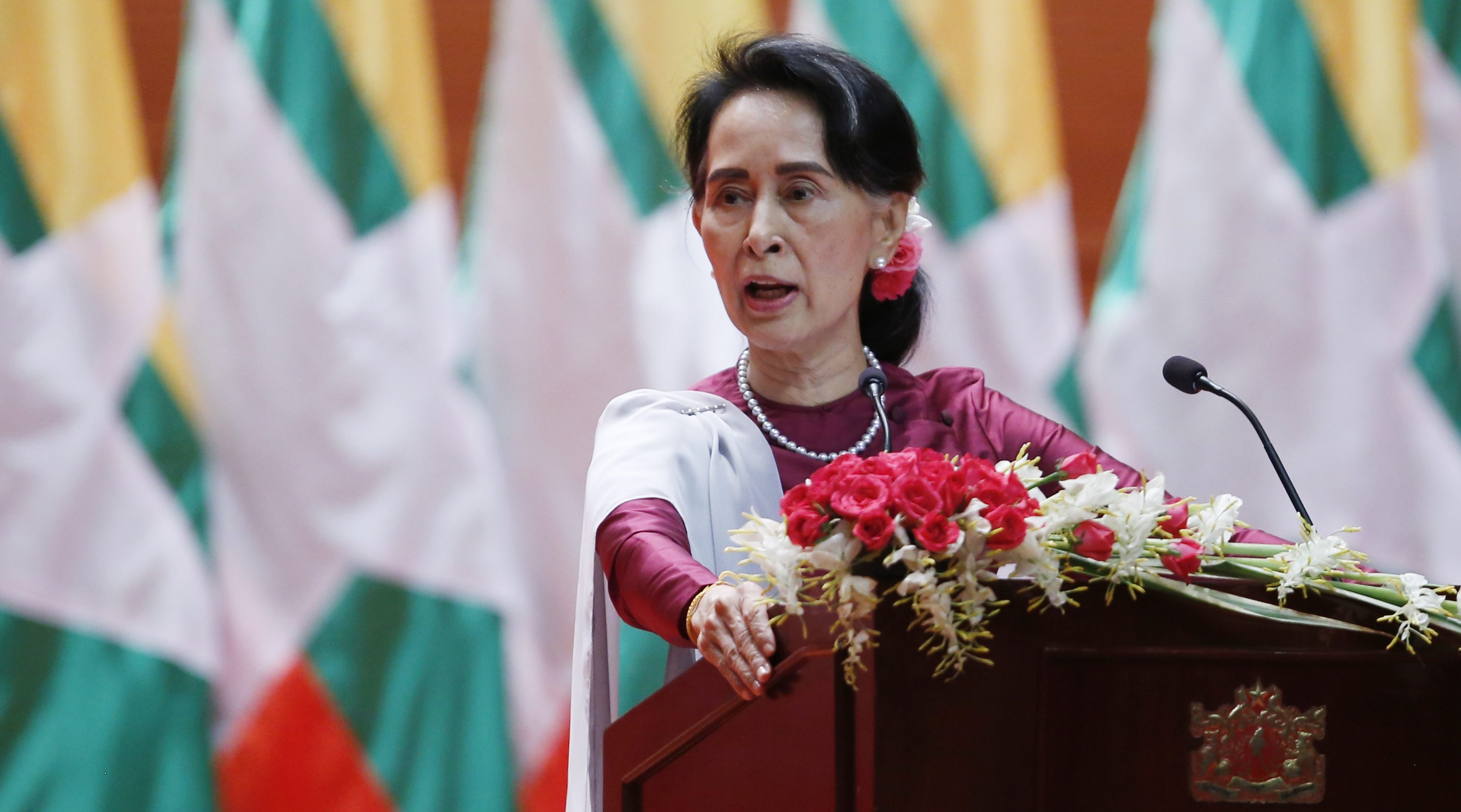 as villages burn and rohingya refugees flee aung san suu kyi tells the world solid evidence. Black Bedroom Furniture Sets. Home Design Ideas