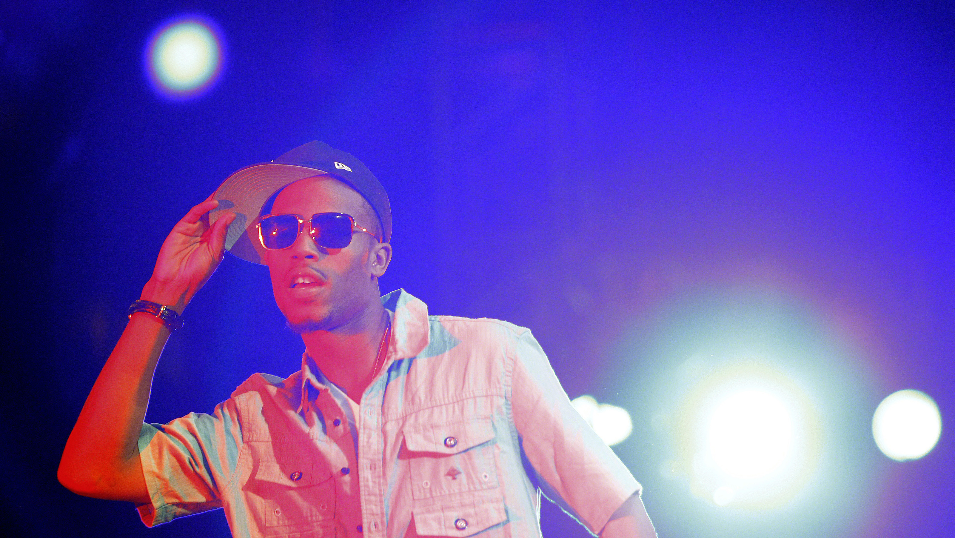 B.o.B performs at the 2010 Wango Tango concert in Los Angeles May 15, 2010. REUTERS/Mario Anzuoni  (UNITED STATES - Tags: ENTERTAINMENT) - GM1E65G0TY601