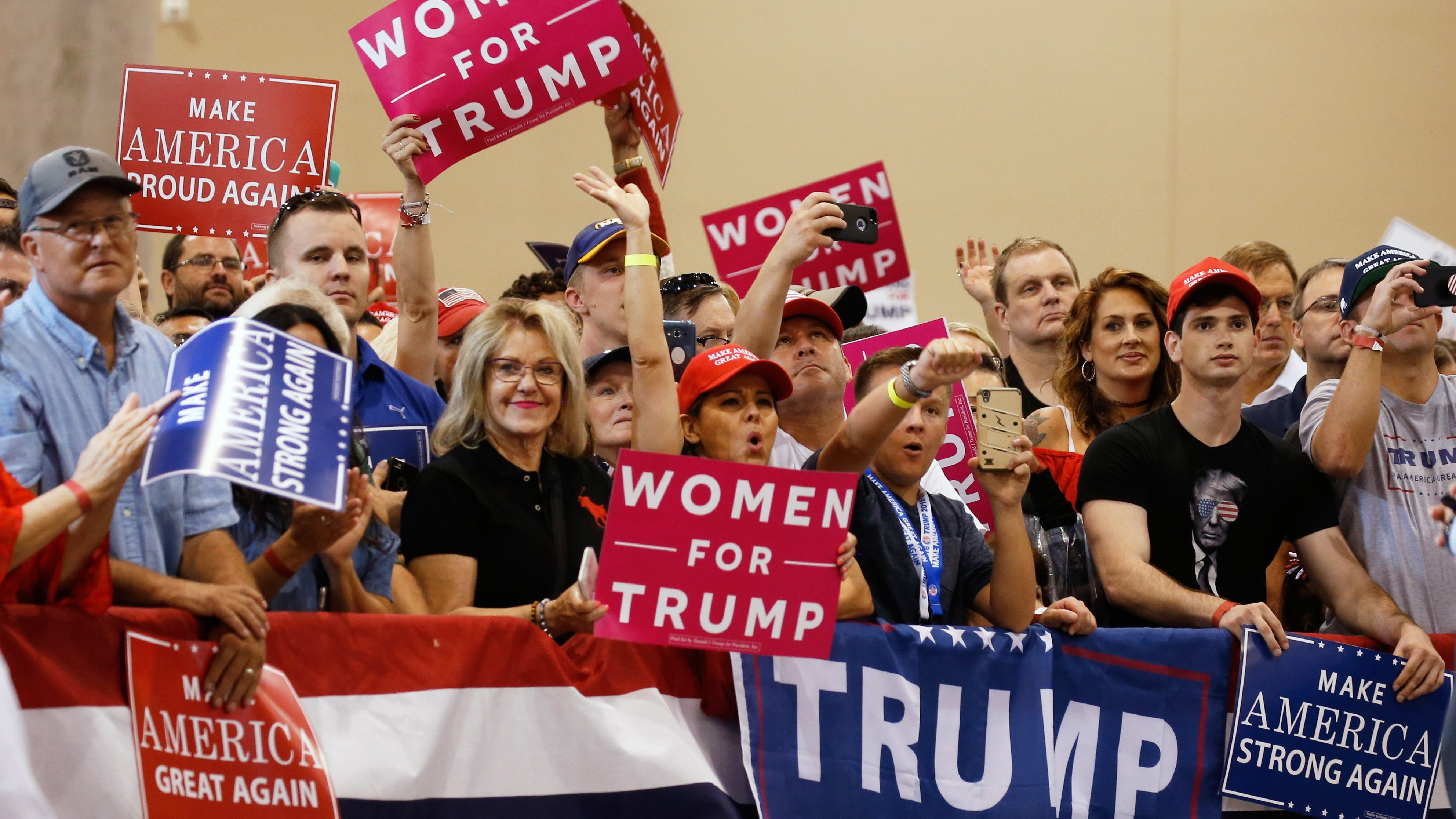 Trump supporters await Donald Trump