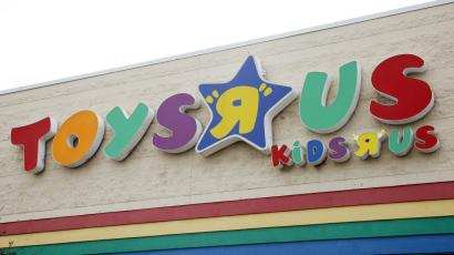 Toys R Us Bankruptcy A Dot Com Era Deal With Amazon Marked The