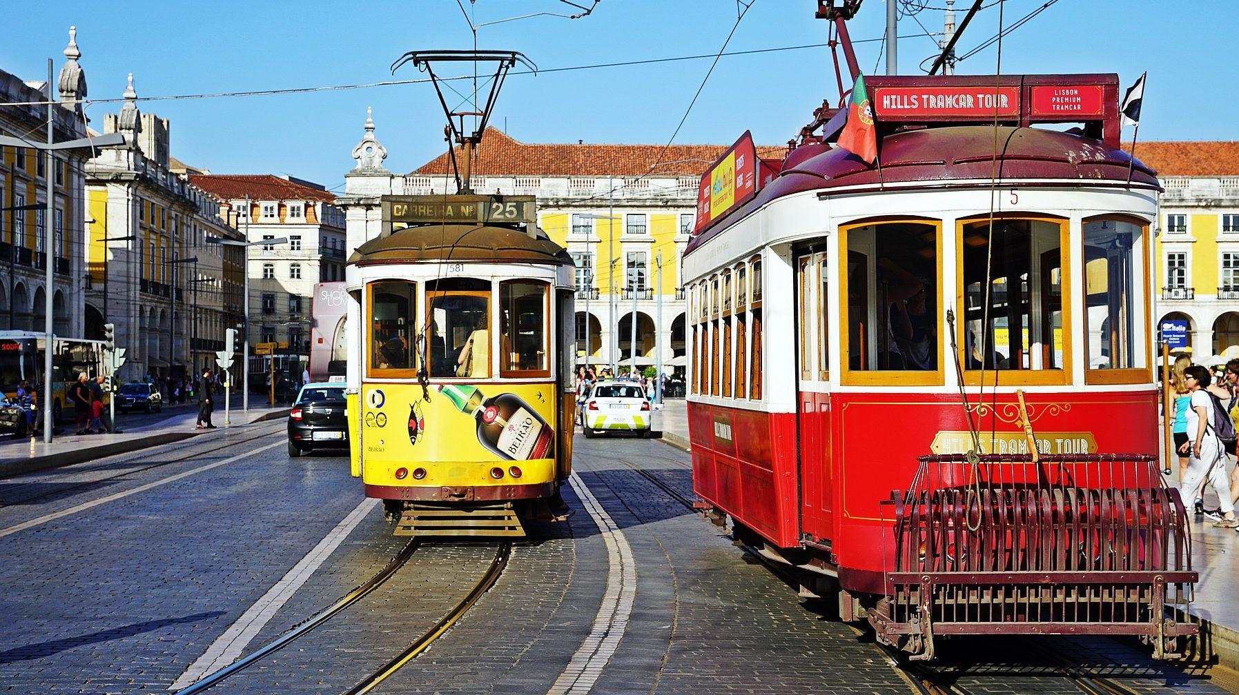tram-2650096_1920